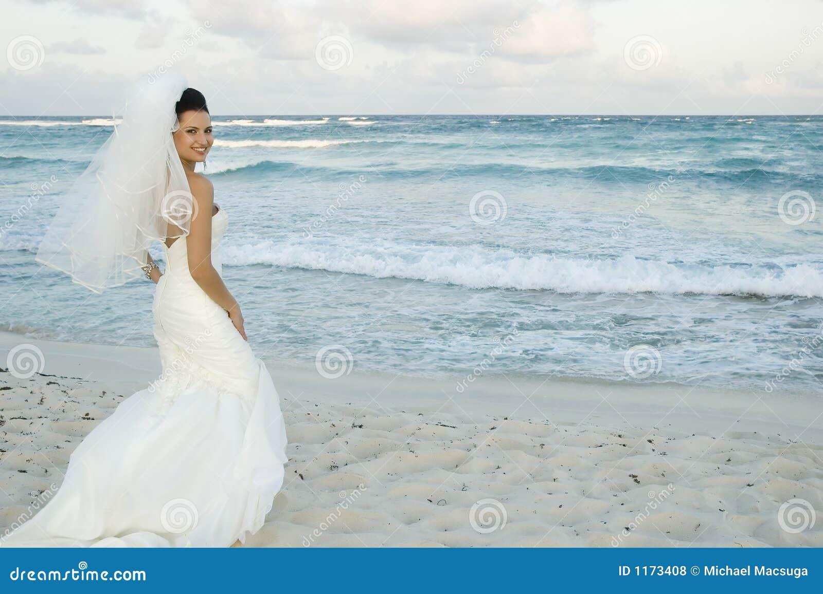 Karibische Strand-Hochzeit - Brid