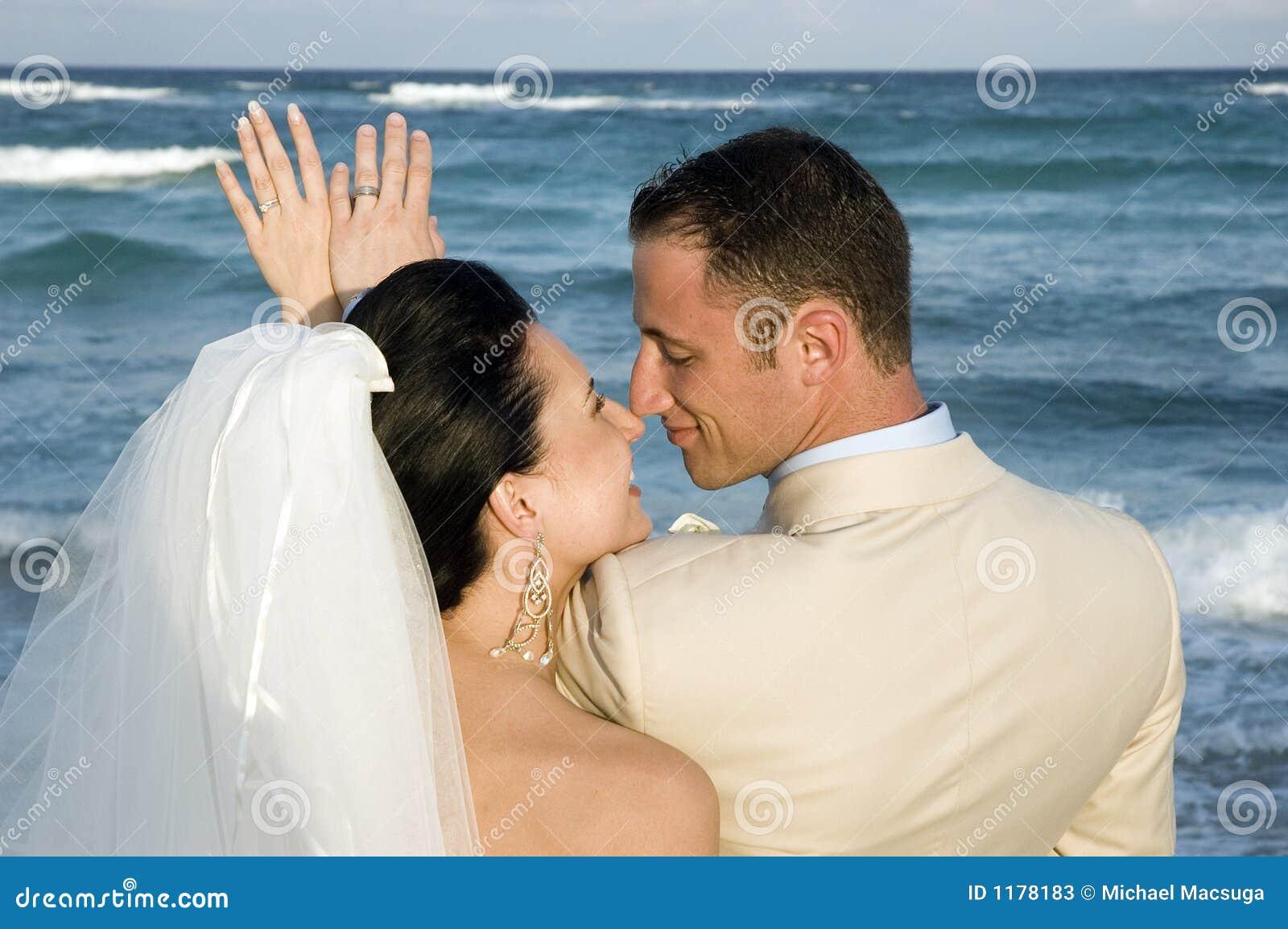 Karibische Strand-Hochzeit - die Ringe