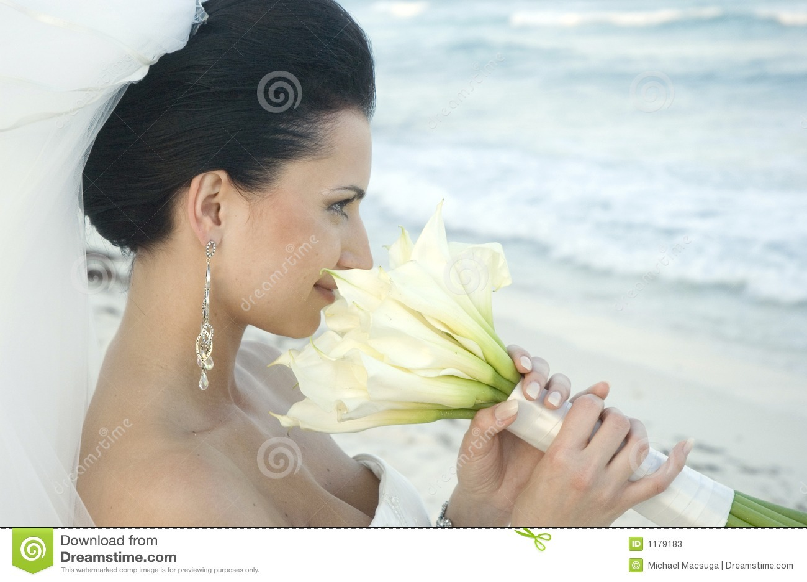 Karibiskt bröllop för strandbukettbrud