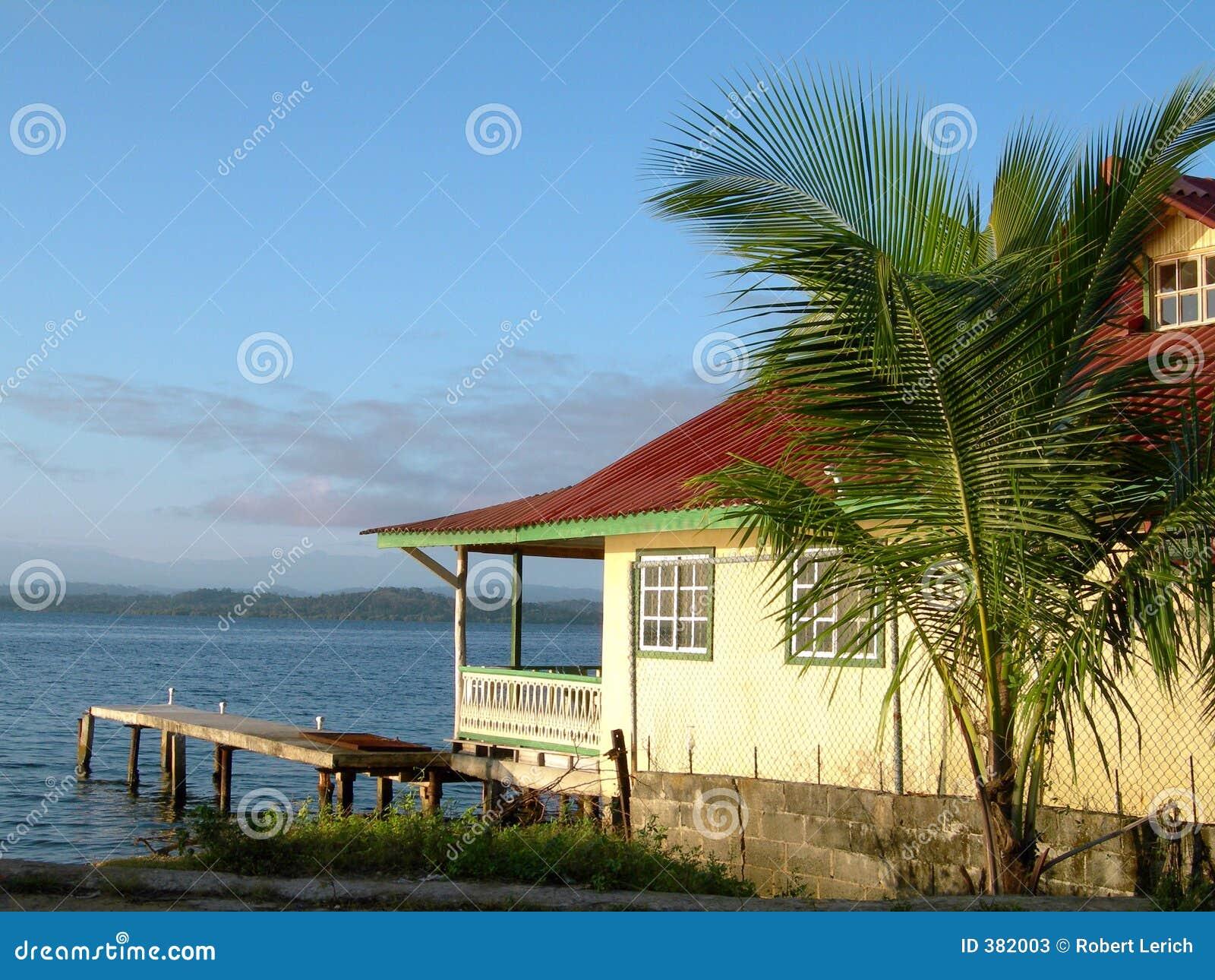 Karibiskt del hus panama för bocas hav toro