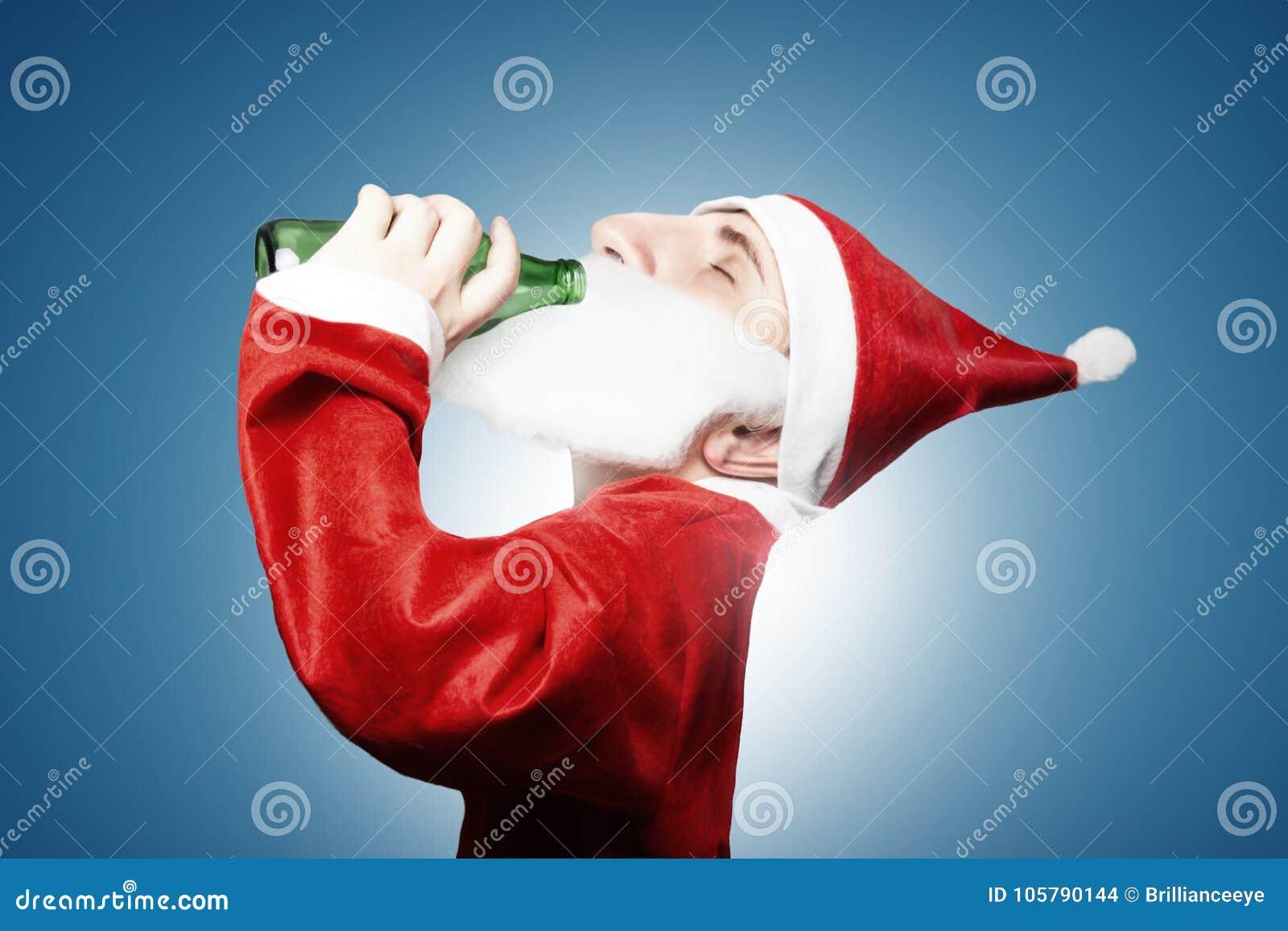 New Karikatuur Van Grappig Dronken Het Drinken Van De Kerstman Bier &EI85