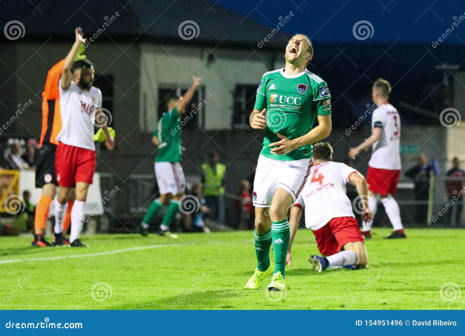Karl Sheppard på ligan av Irland den första uppdelningsmatchen mellan Cork City FC vs St Patricks idrotts- FC