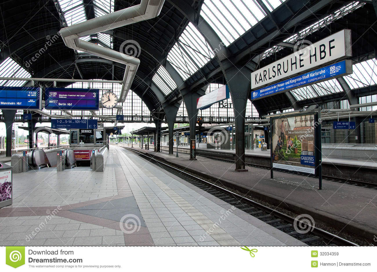 Karlsruhe train station editorial stock image image for Outlet store karlsruhe