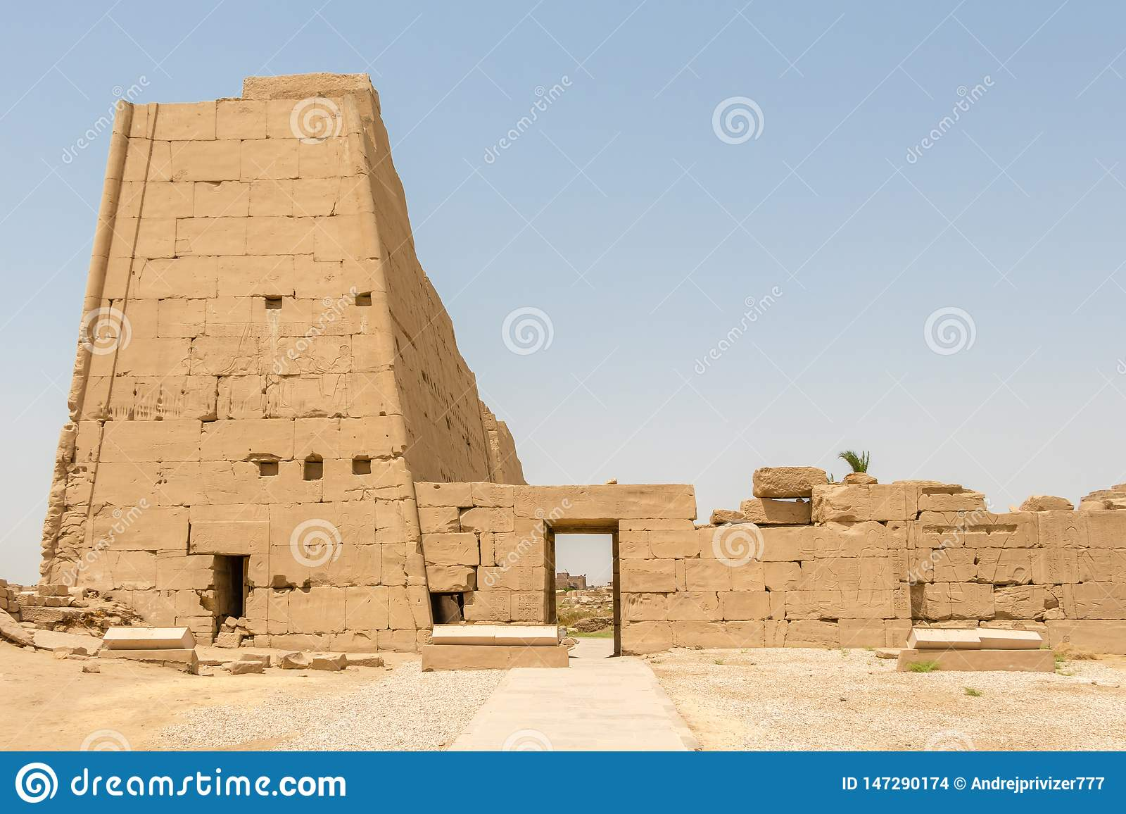 Side entrance to the Egyptian temple in Karnak, Luxor