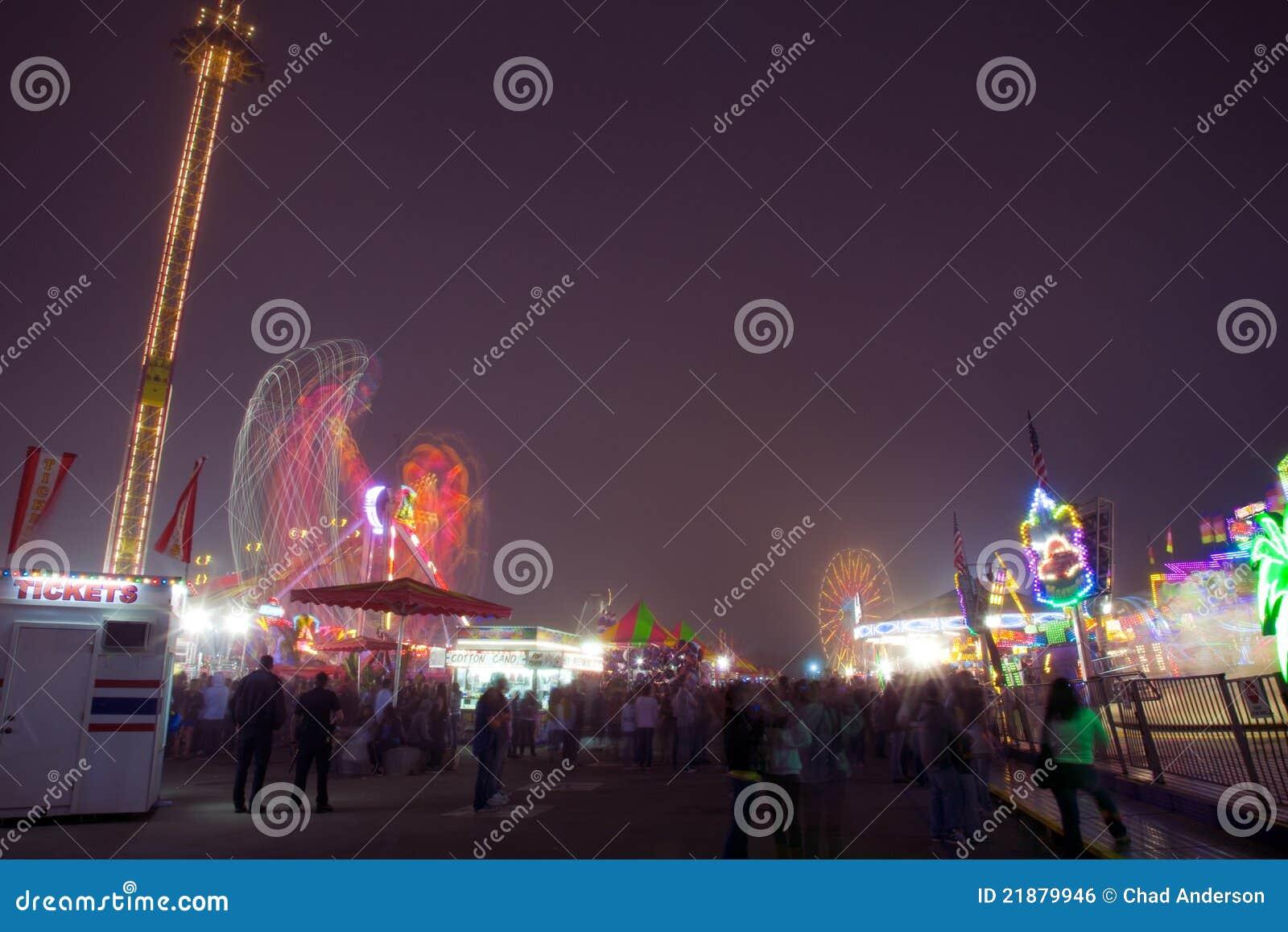 Karnawałowe gier noc przejażdżki