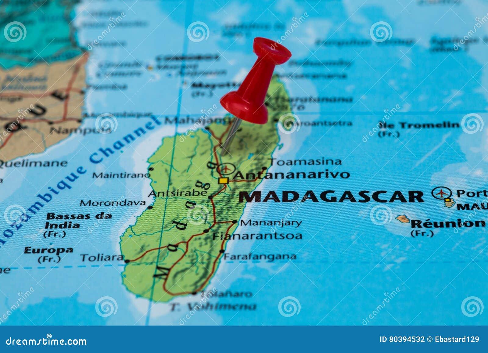Madagaskar Karte.Karte Von Madagaskar Mit Einem Roten Druckbolzen Fest