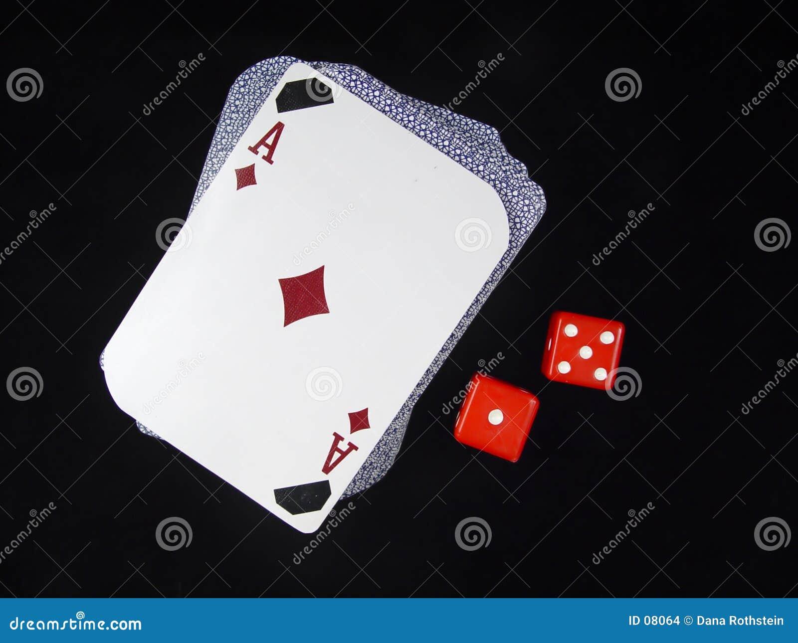 Kartenstapeles und Würfel