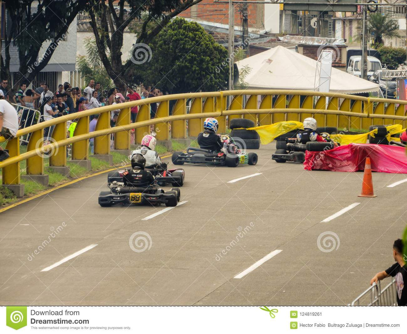 Karts And Enjoy The Cup Gogo Editorial Photo Image Of Arrive