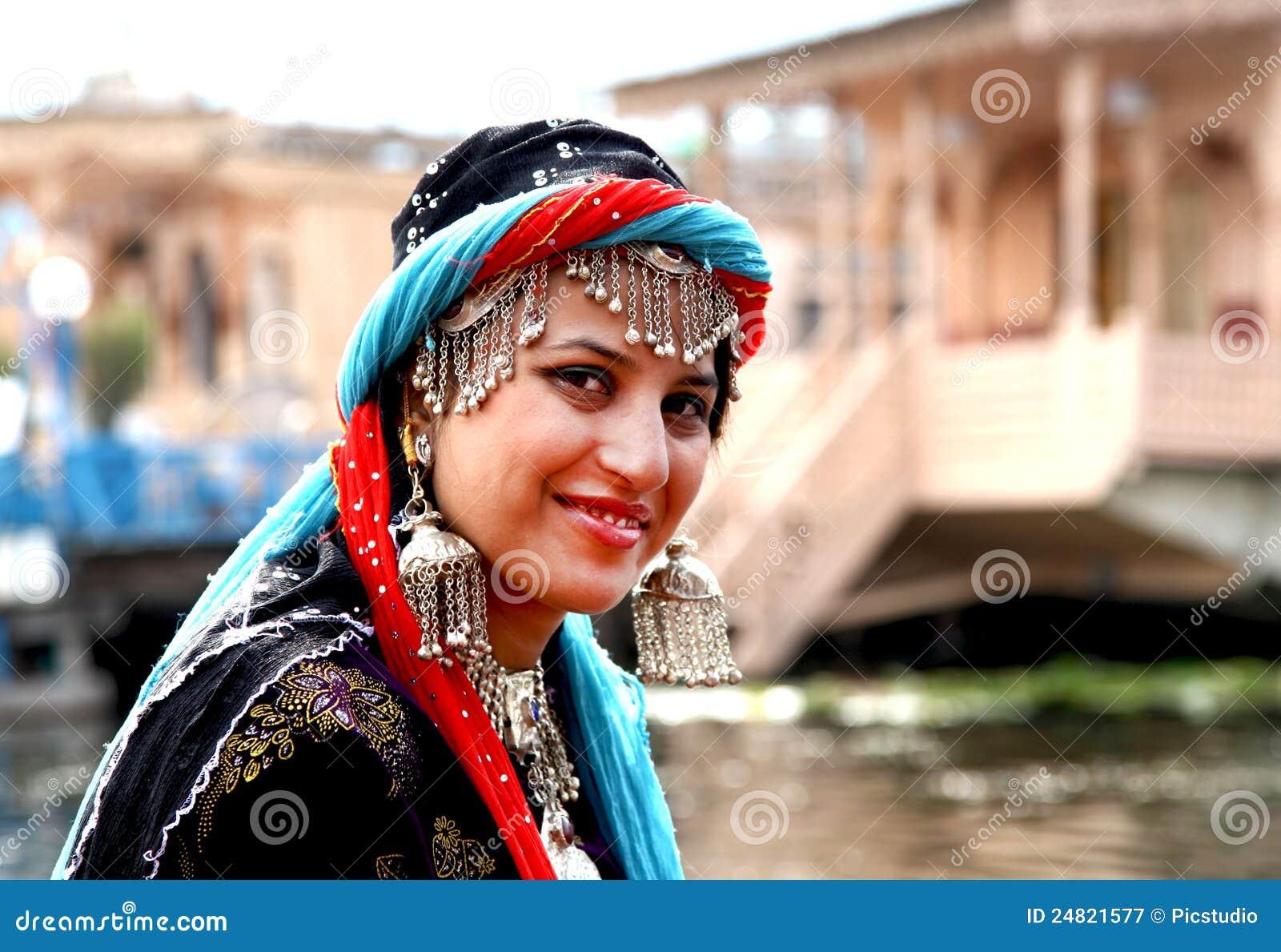 Women and Veiling in Kashmir