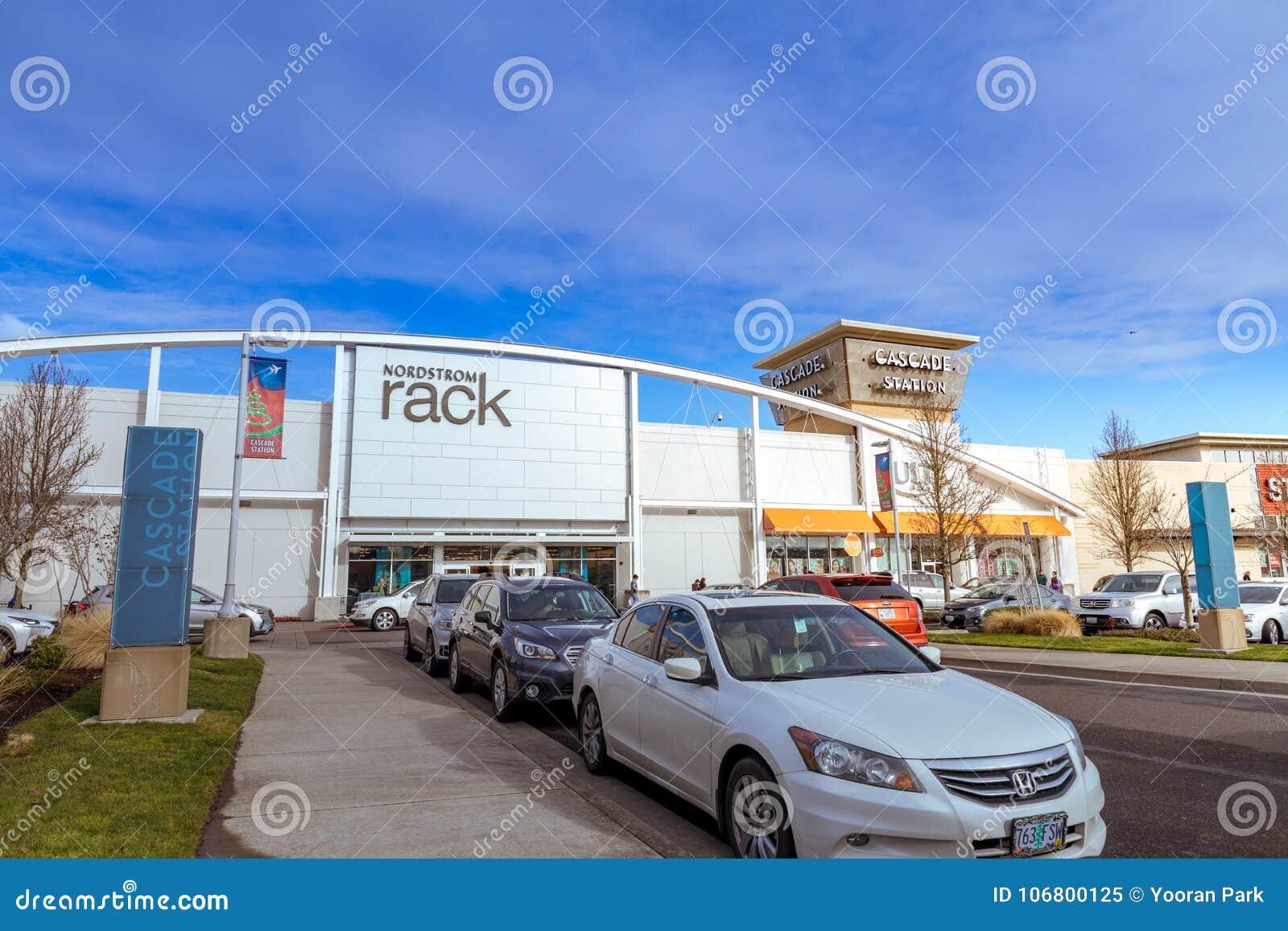Download Kaskaden-Stations-Einkaufszentrum Am Regnerischen Tag Es Ist In N Redaktionelles Bild - Bild von downtown, zieleinheit: 106800125