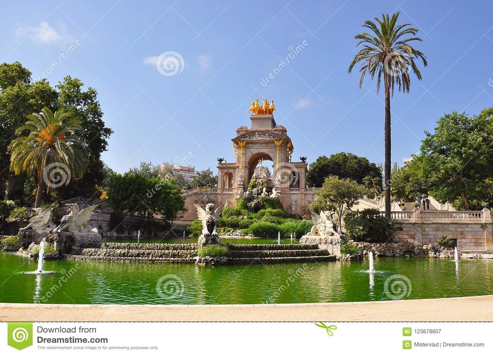 Kaskadowa fontanna w Ciutadella parku, Barcelona, Hiszpania