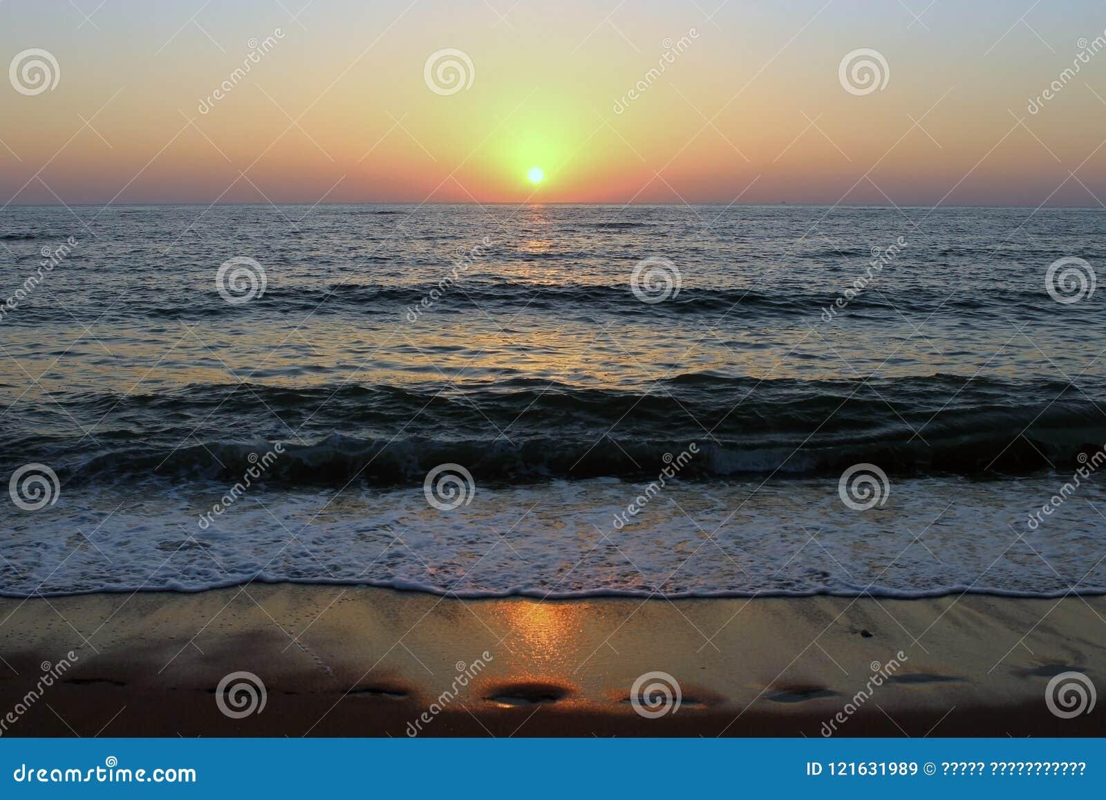 Kaspiska havet på solnedgången