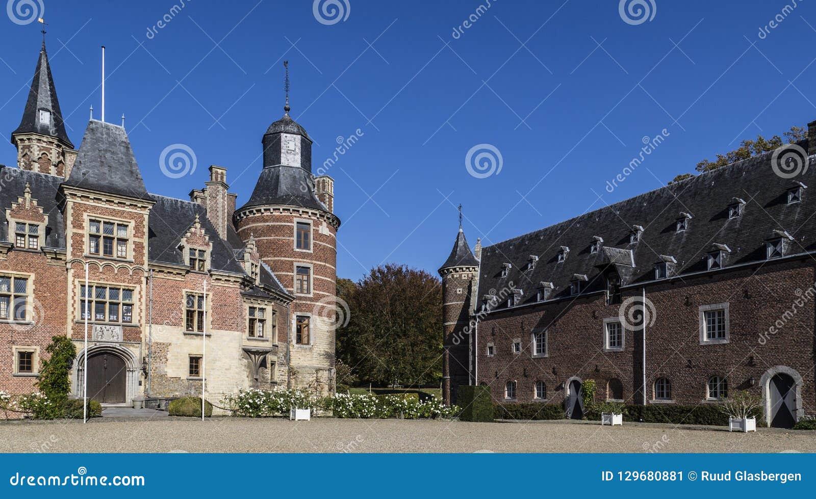 Kasteel Mheer, privé landgoed in Zuid-Limburg Het kasteeldomein is onlangs geclassificeerd als landgoed