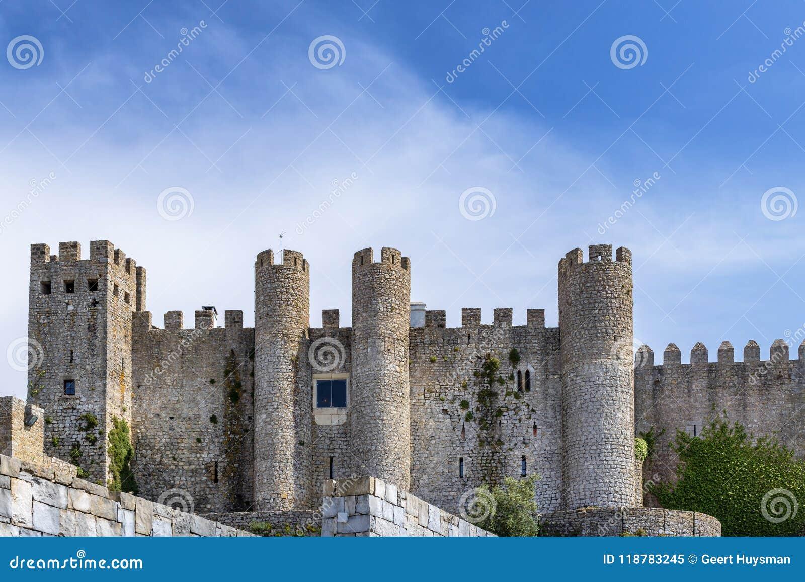 Kasztel Obidos w średniowiecznym miasteczku Obidos Portugalia