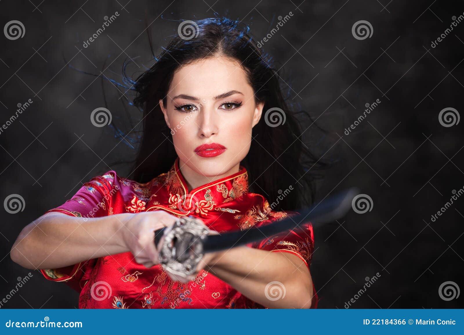 Katana kordzika kobieta