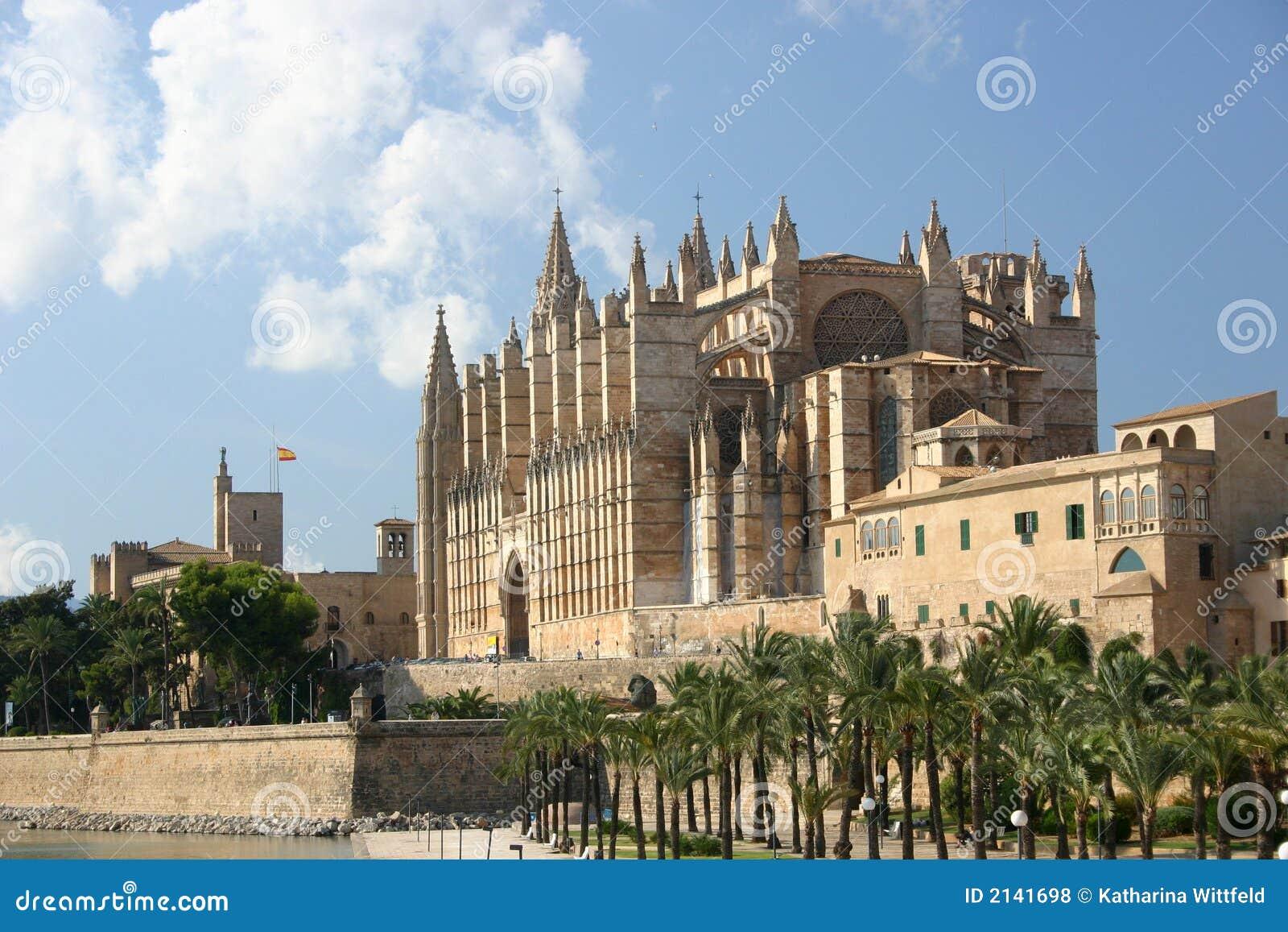 Katedra śródziemnomorskiej