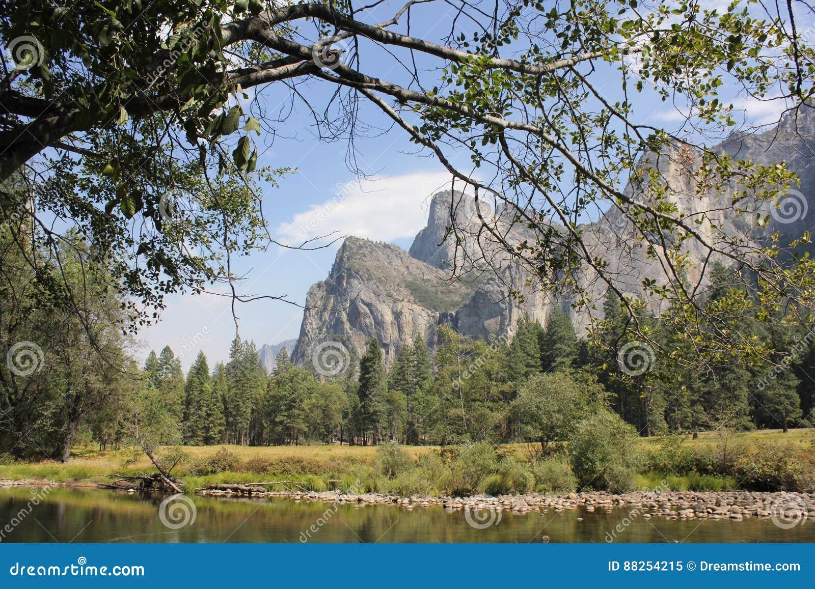 Katedra kołysa Yosemite parka narodowego