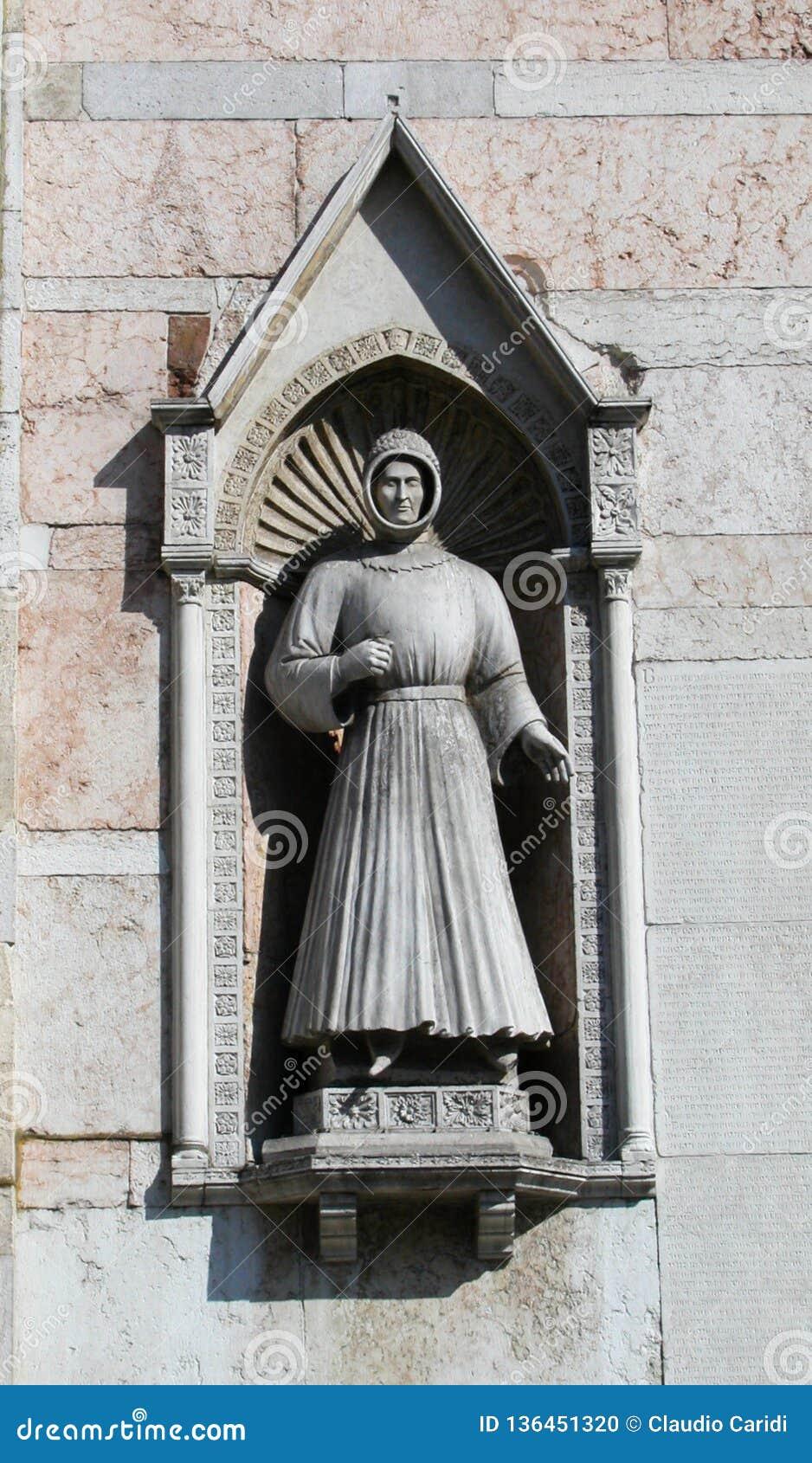 Kathedraal van Ferrara, Italië, standbeeld van Alberto V D 'Este