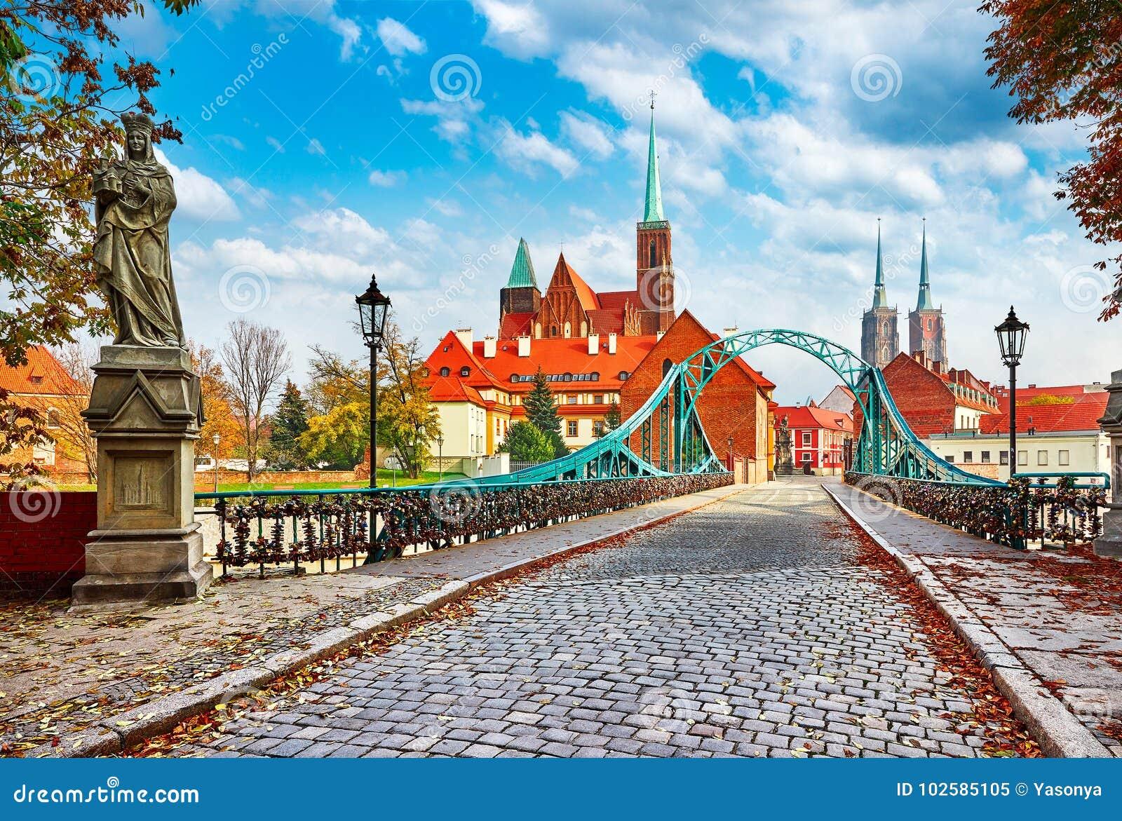 Kathedraaleiland in de groene brug van Wroclaw Polen