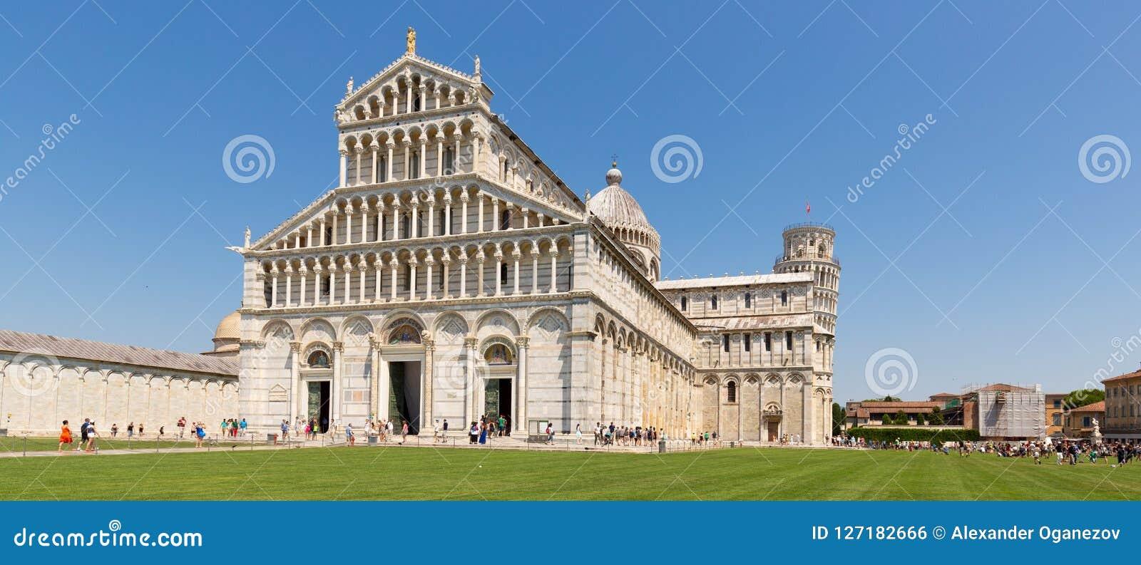 Kathedrale mit lehnendem Turm von Pisa