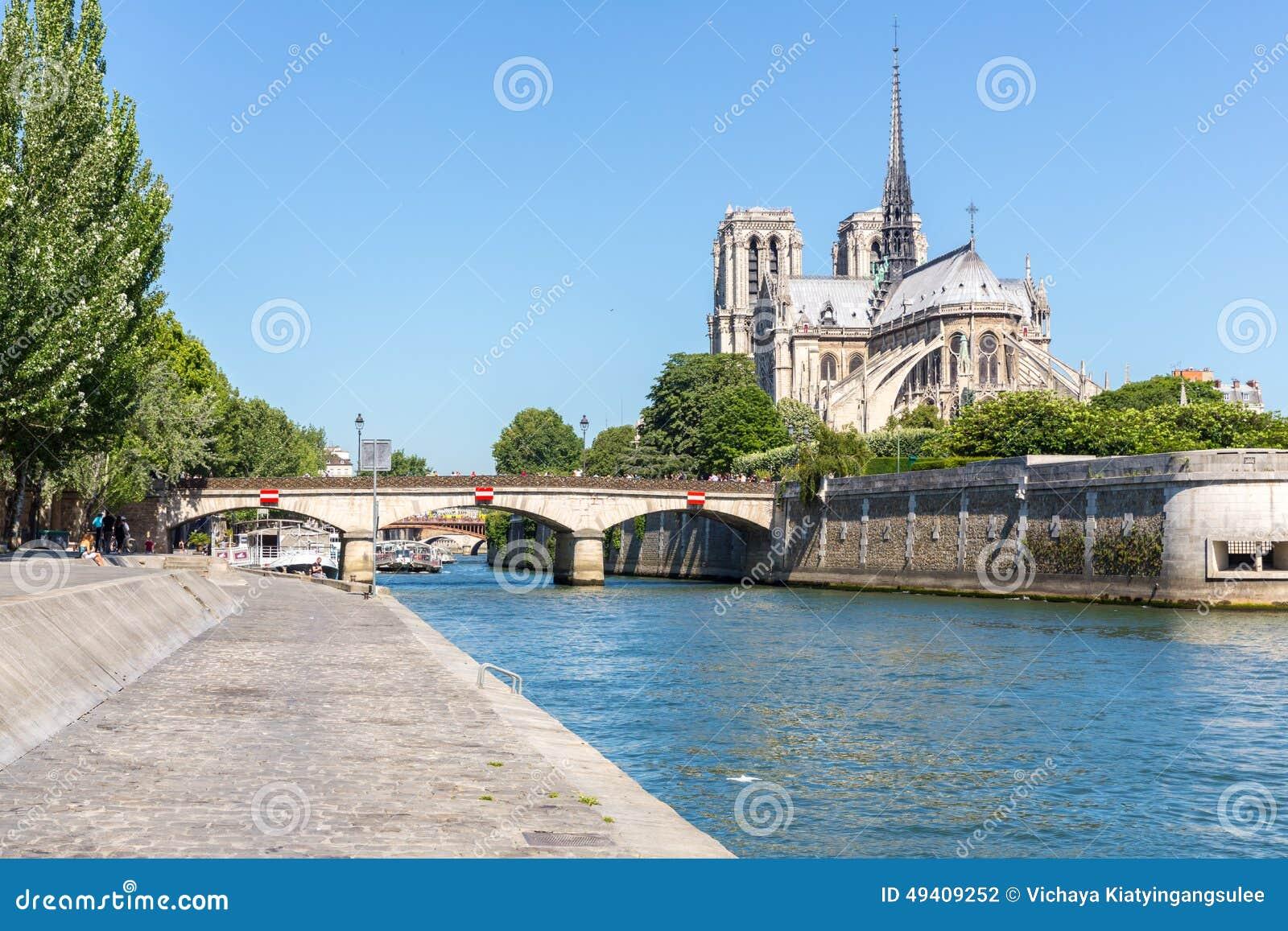 Download Kathedrale Notre Dame Paris Stockfoto - Bild von anziehung, brücke: 49409252