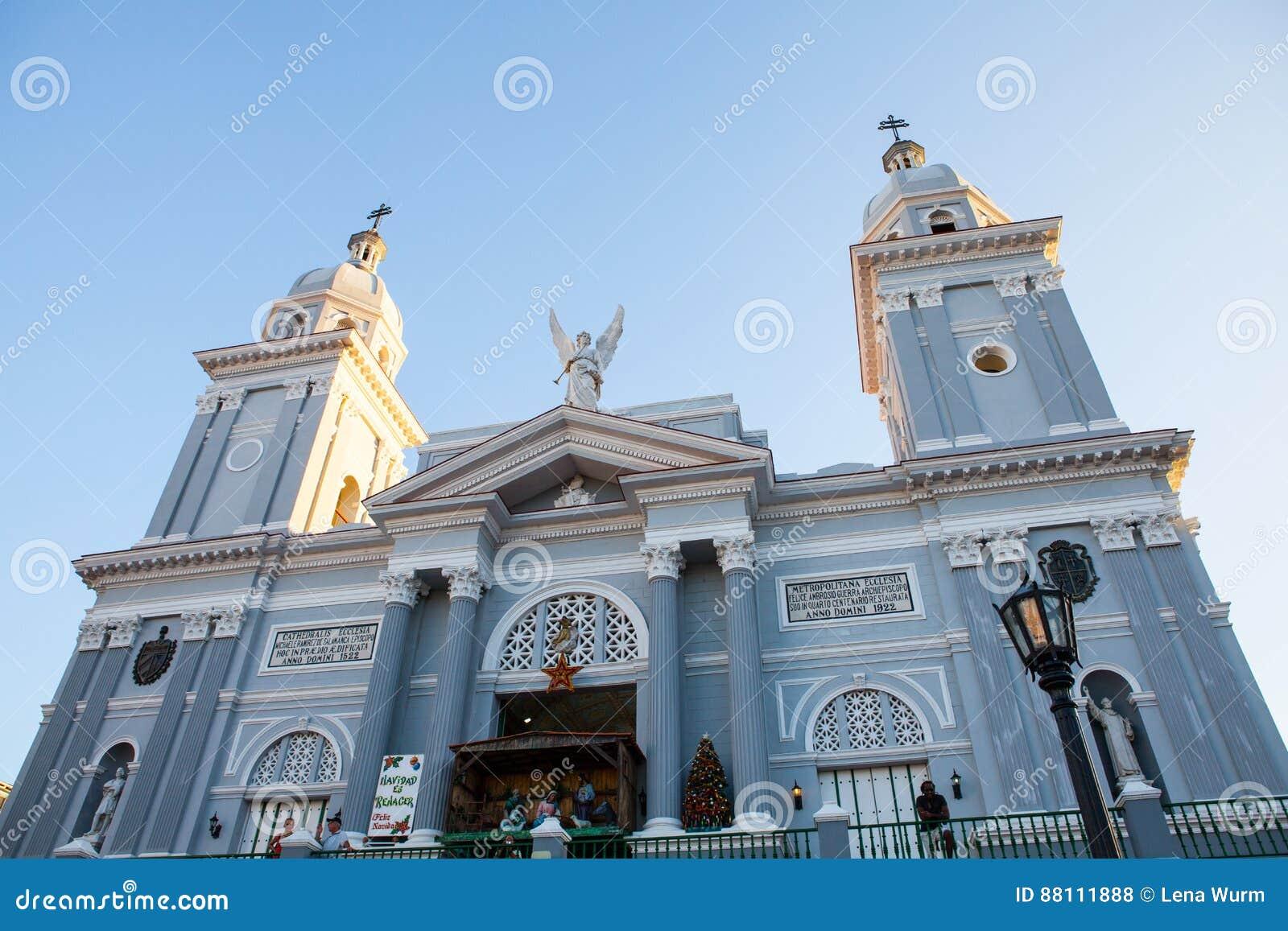 Katholische Kathedralenkirche Während Der Weihnachtszeit Bei ...