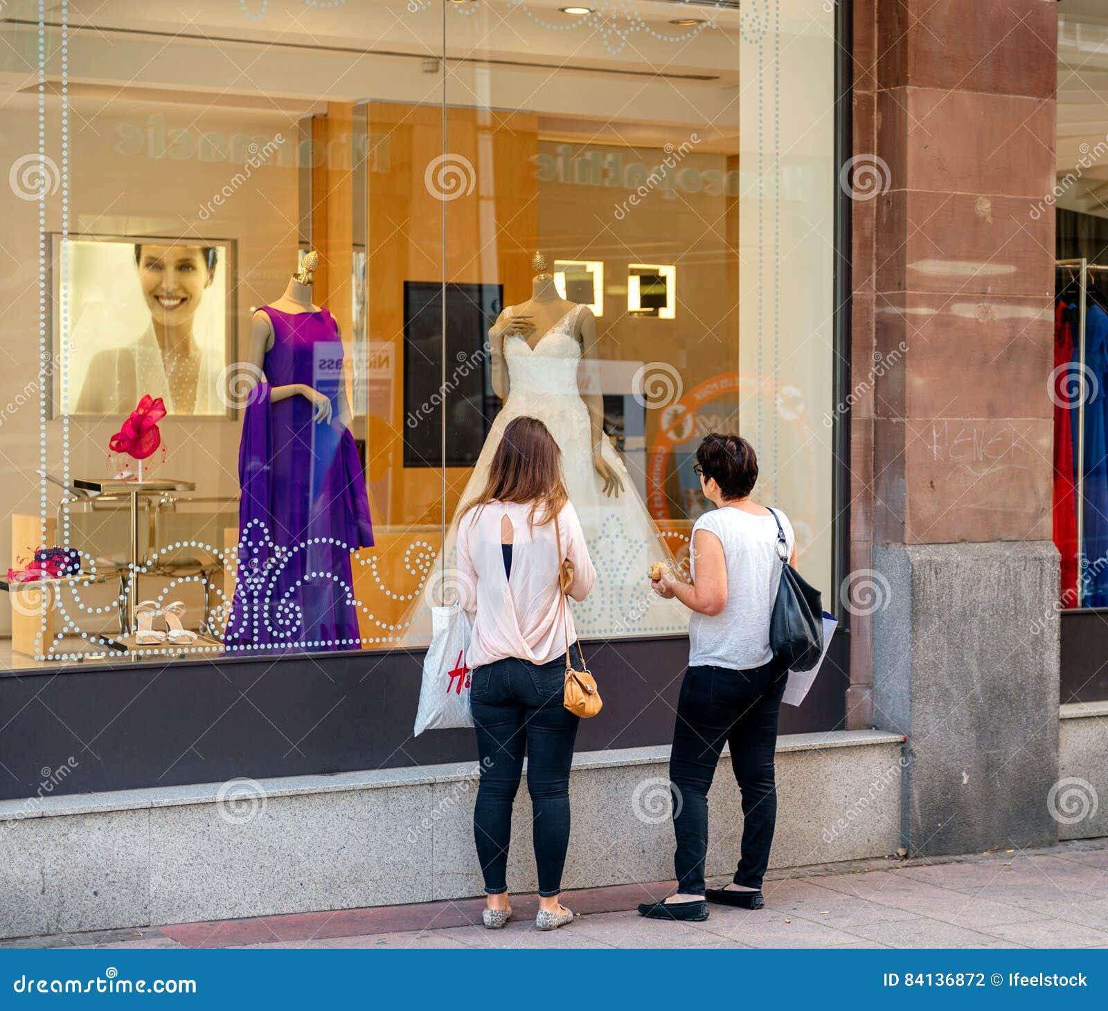 Beste Speicher Für Hochzeitskleid Zeitgenössisch - Hochzeit Kleid ...