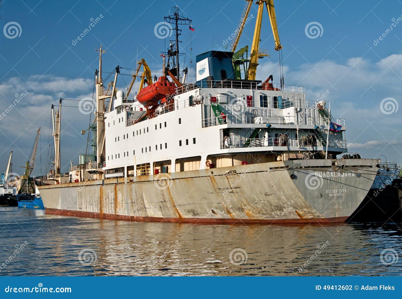 Download Kaufmanns-Ship-Liegeplatz Im Heiligen Peterburg Redaktionelles Stockfotografie - Bild von arbeit, international: 49412602