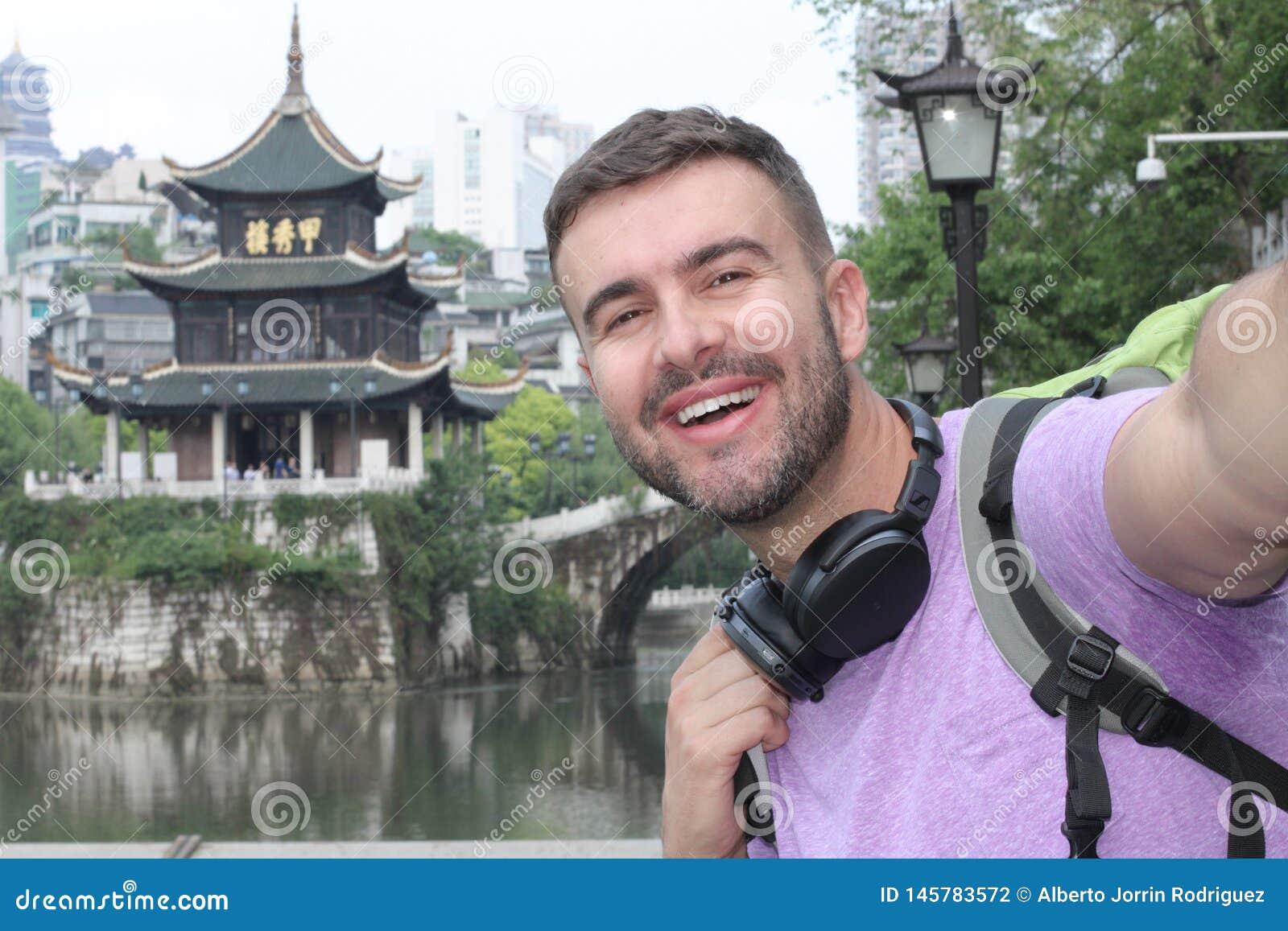 Kaukasischer Tourist in Guyiang, China