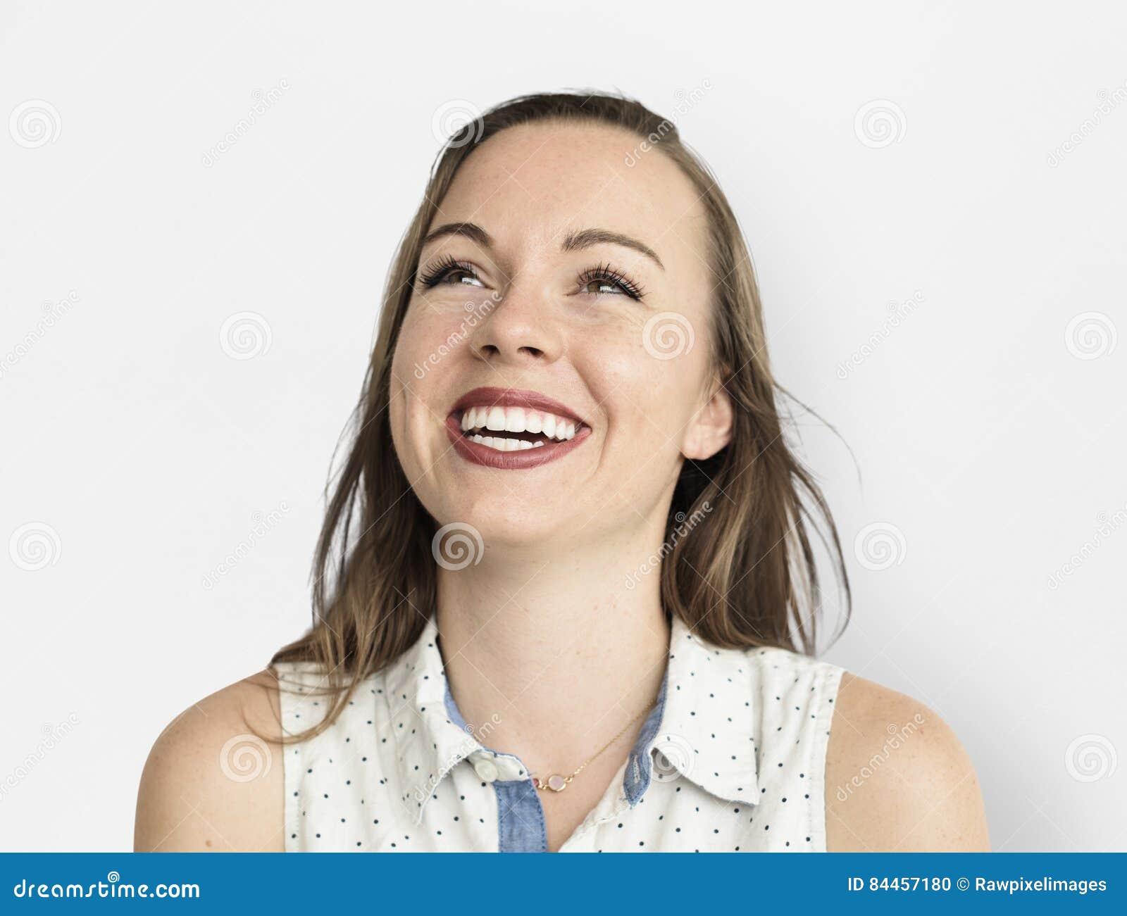 Kaukaska kobieta Uśmiecha się Szczęśliwego Rozochoconego pojęcie