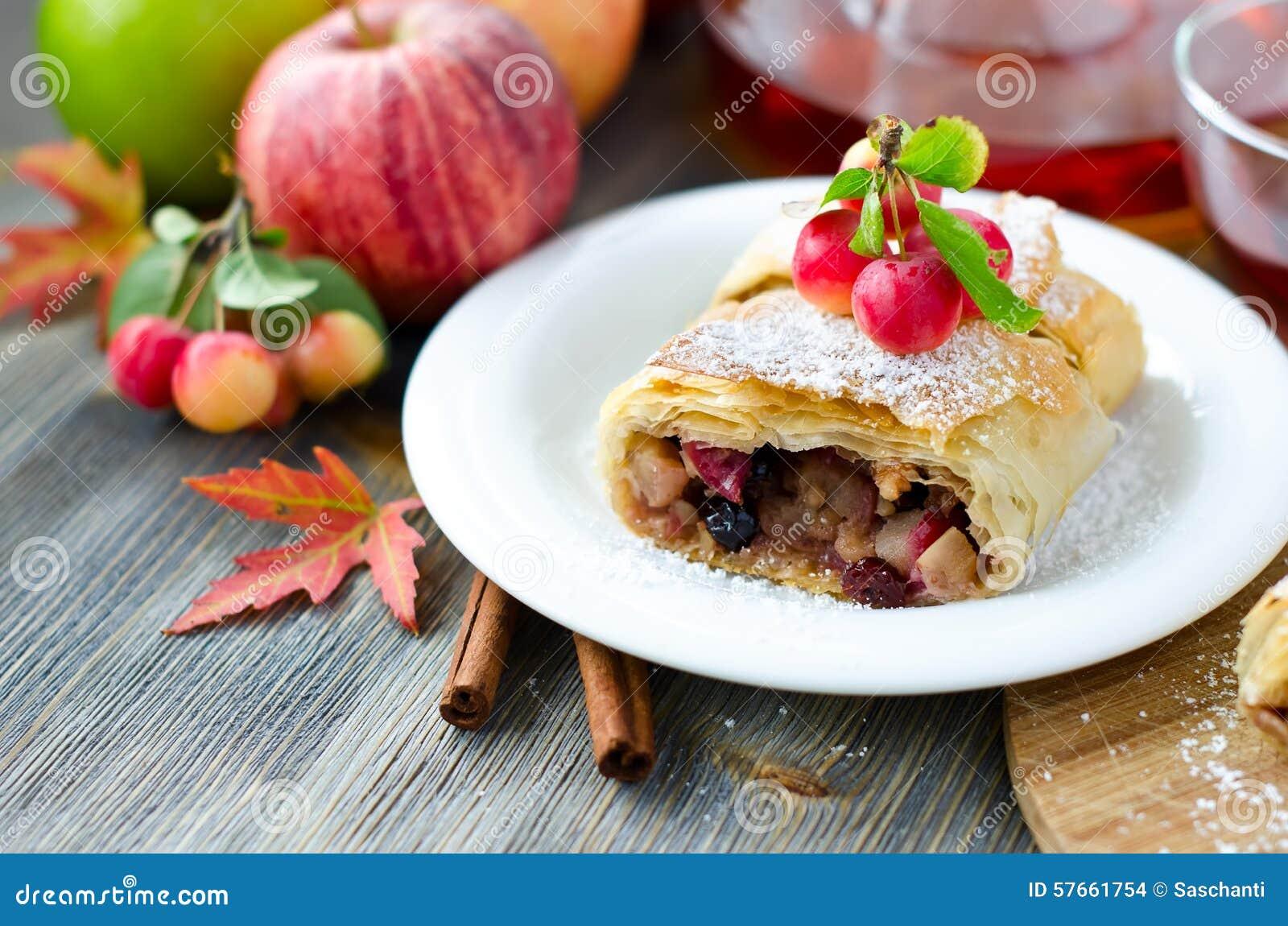 Kawałek jabłczany strudel