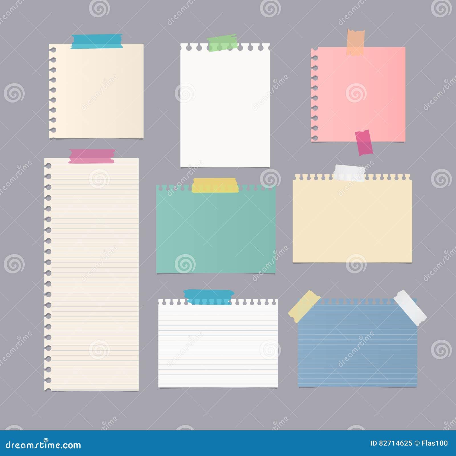 Kawałki różna wielkościowa kolorowa notatka, notatnik, copybook papieru prześcieradła wtykali z kleistą taśmą na szarym tle