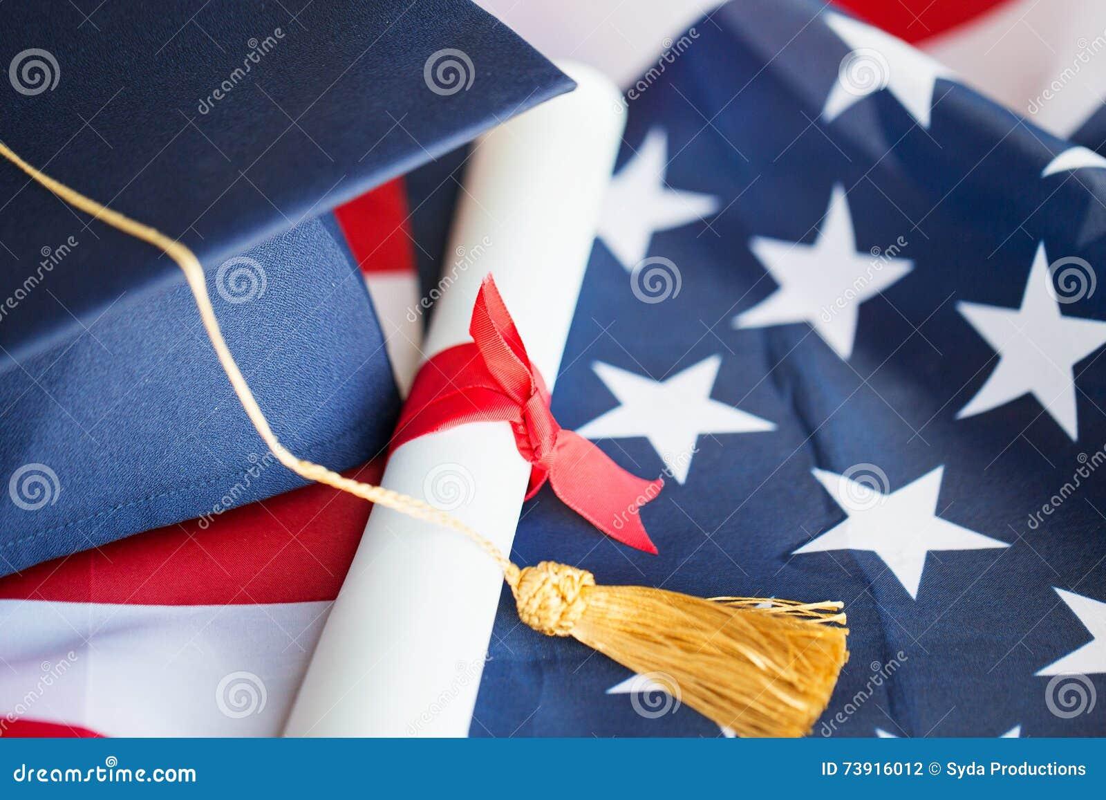 Kawalera dyplom na flaga amerykańskiej i kapelusz