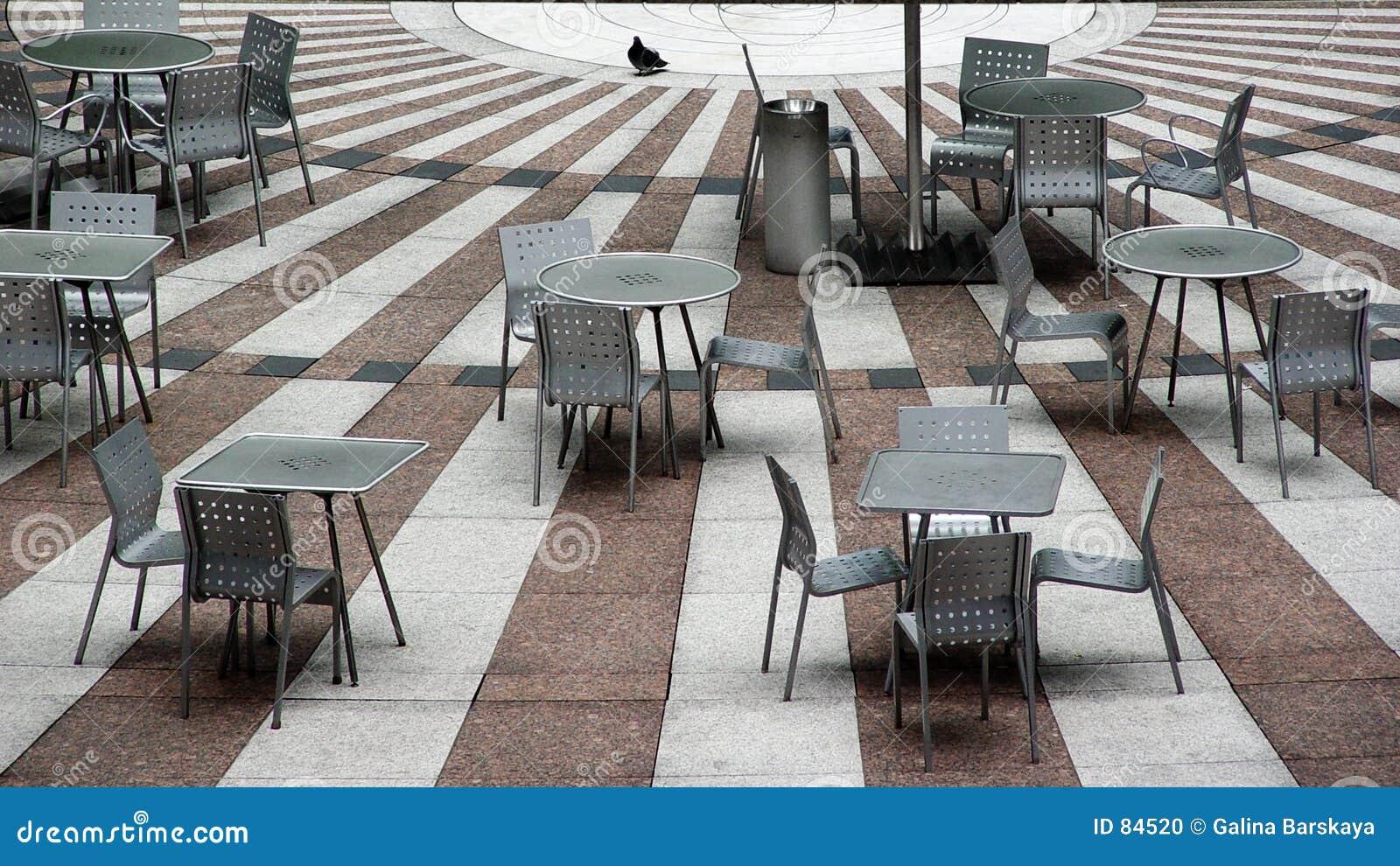Kawiarnia pusta