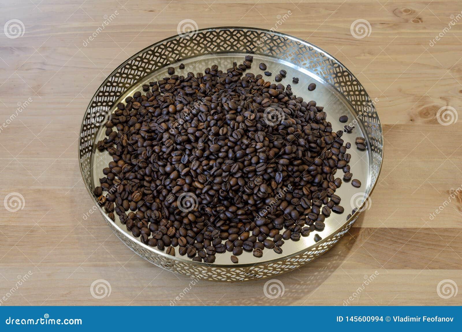 Kawowe fasole na rocznika tle