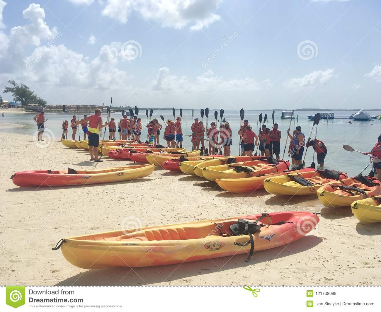 Kayak Guided Tour In Cococay Editorial Stock Image Image