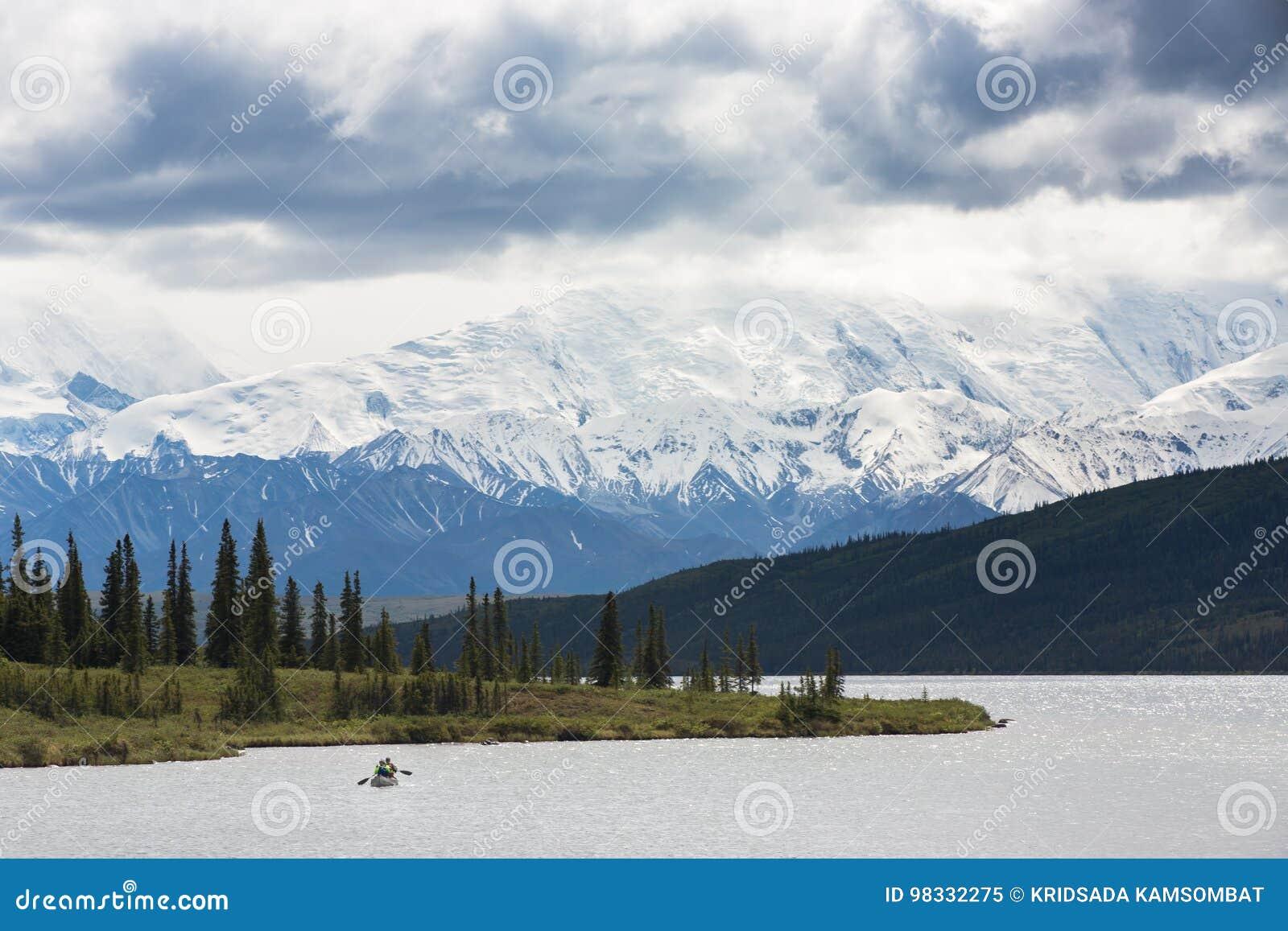 Kayak in Wonder Lake