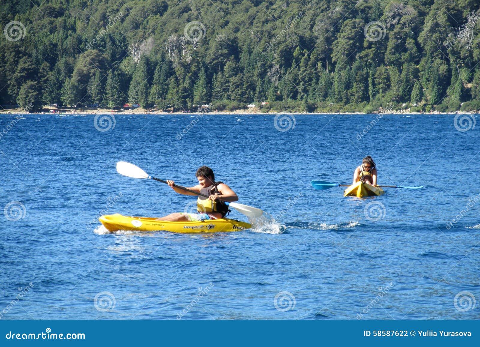 Kayaking dans un lac