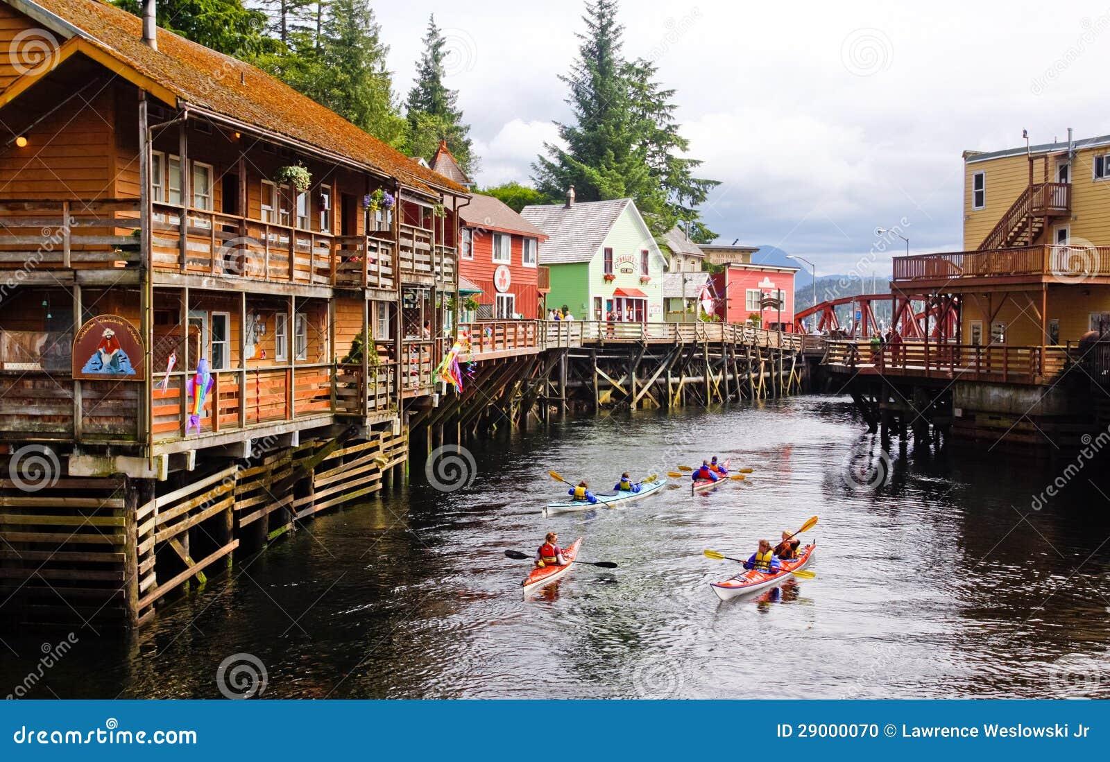 Kayaking Nebenfluss-Straße Alaskas
