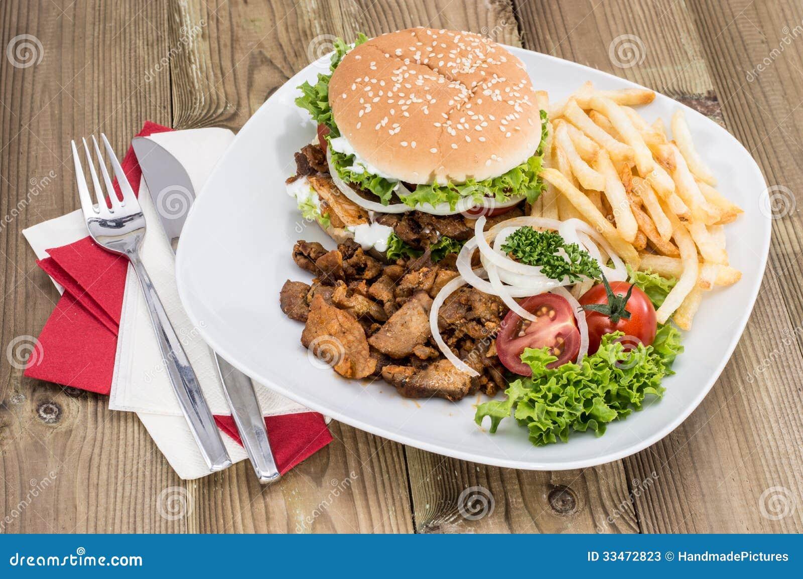 Kebab Burger Mit Chips Auf Holz Stockbild Bild Von Mittelmeer