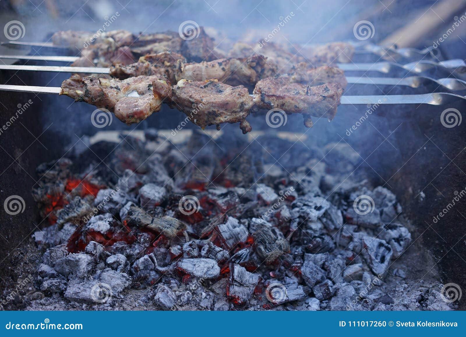 Kebab en los carbones