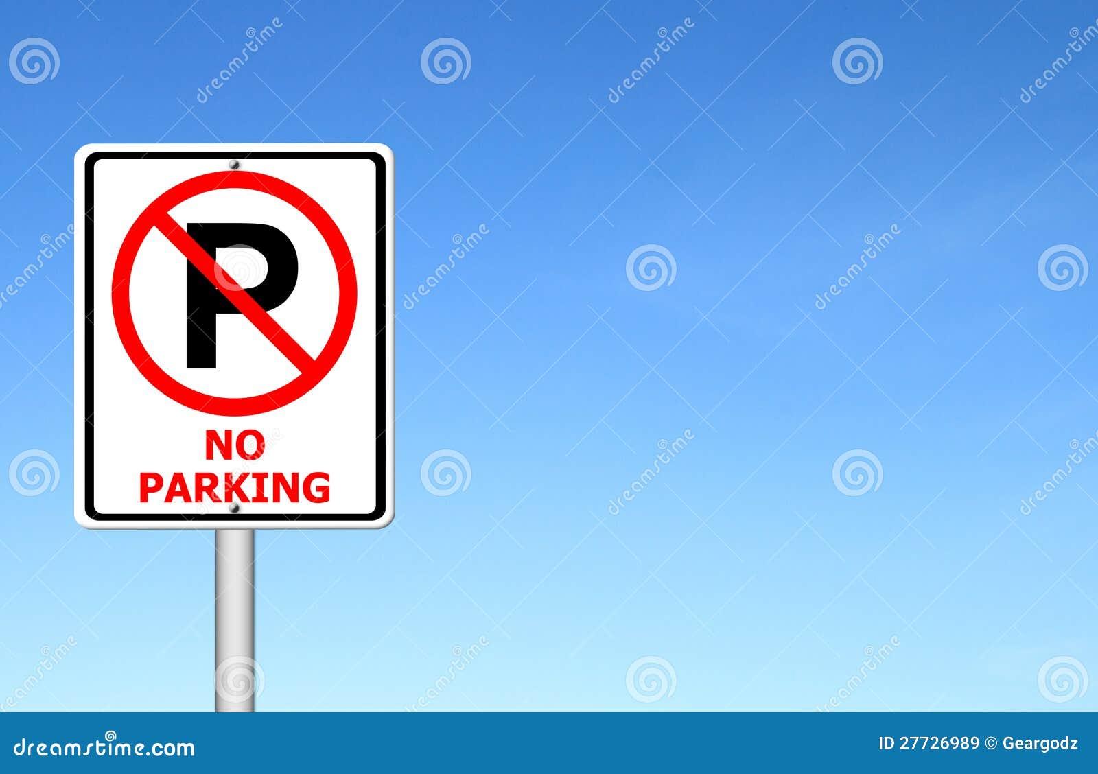 Kein Parkenzeichen mit blauem Himmel