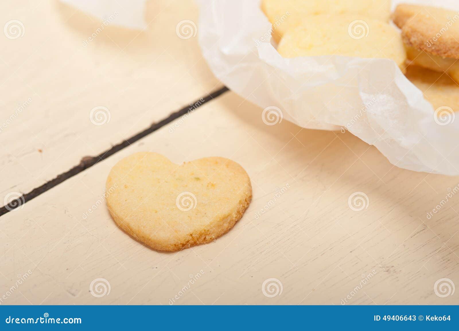 Download Keks-Valentinsgrußplätzchen Des Herzens Geformte Stockbild - Bild von formular, vereisung: 49406643