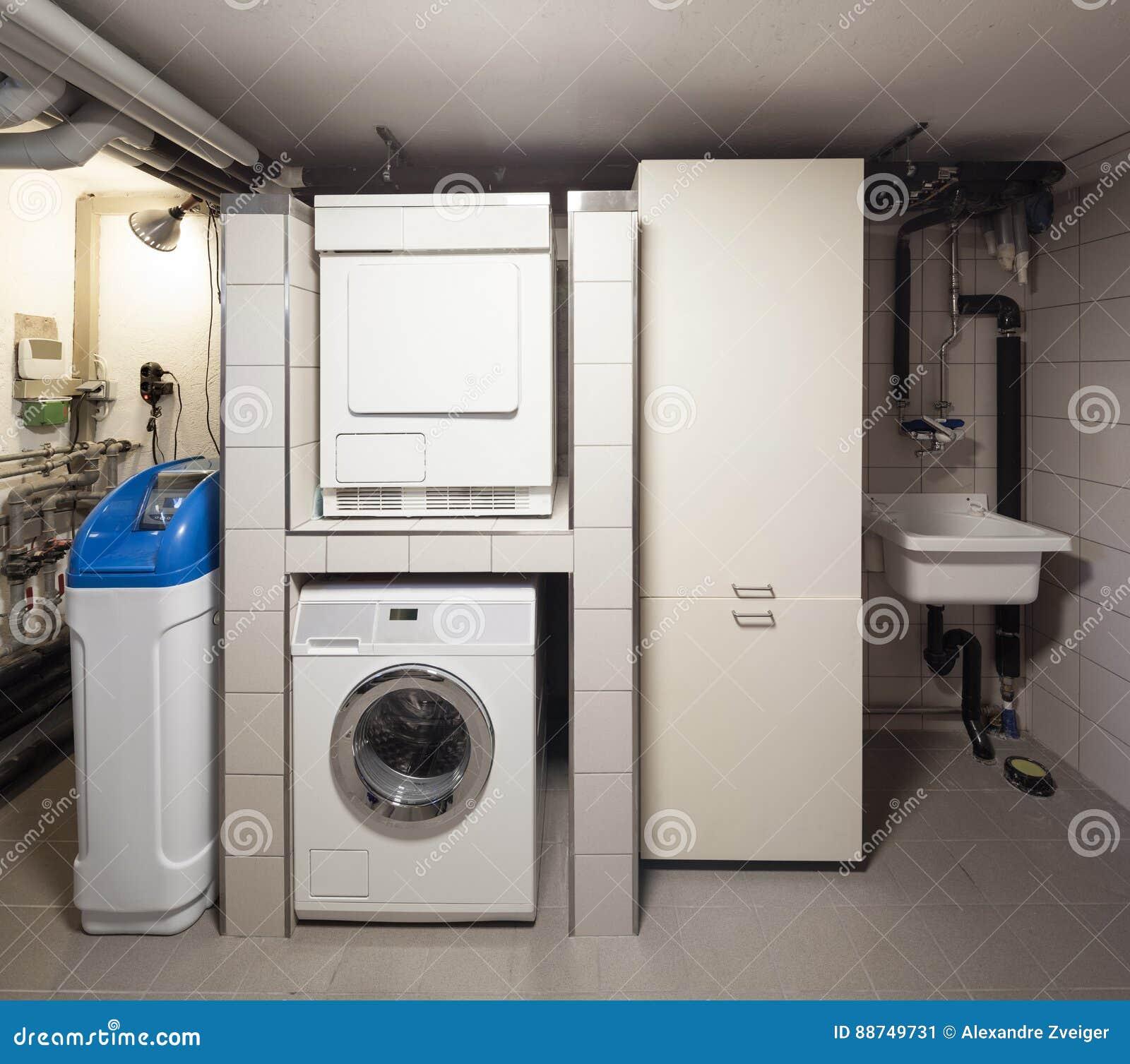 Keller mit Waschmaschine