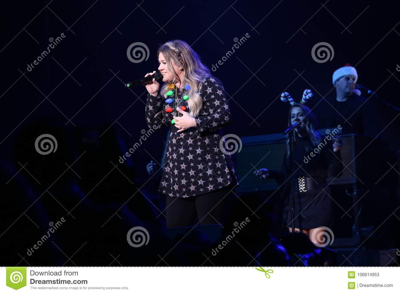 Kelly Clarkson In Concert - Christmas Show Editorial Stock Photo ...