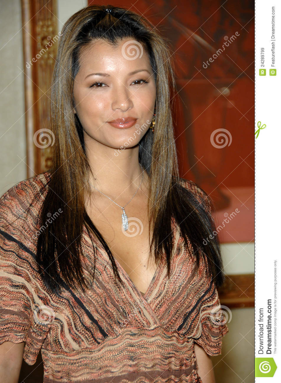 KELLY HU at the In Style 6th Annual Awards Season Diamond Fashion Show ...
