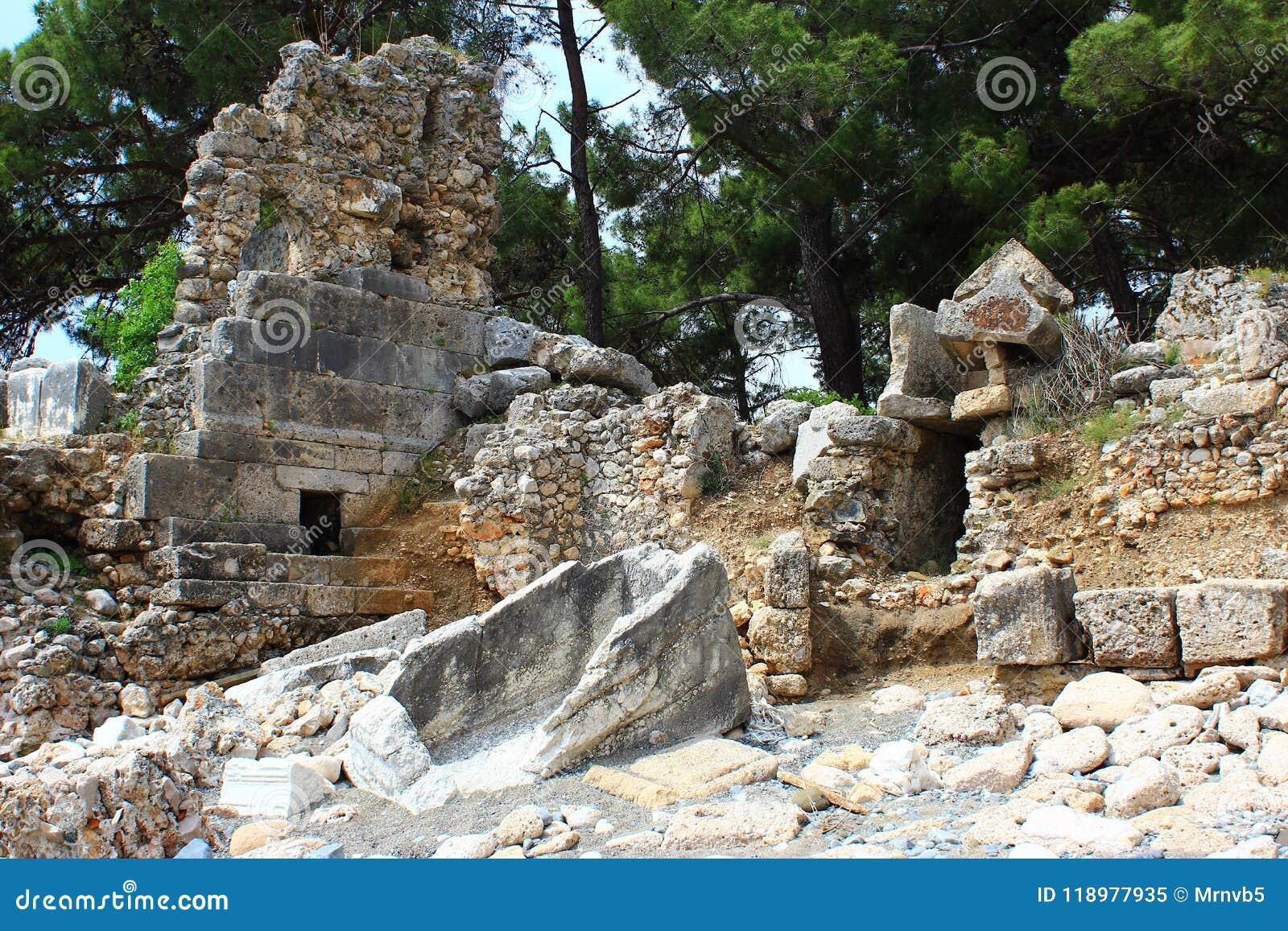 Kemer, Turcja, Maj 2017 Ruiny antyczny miasto Phaselis