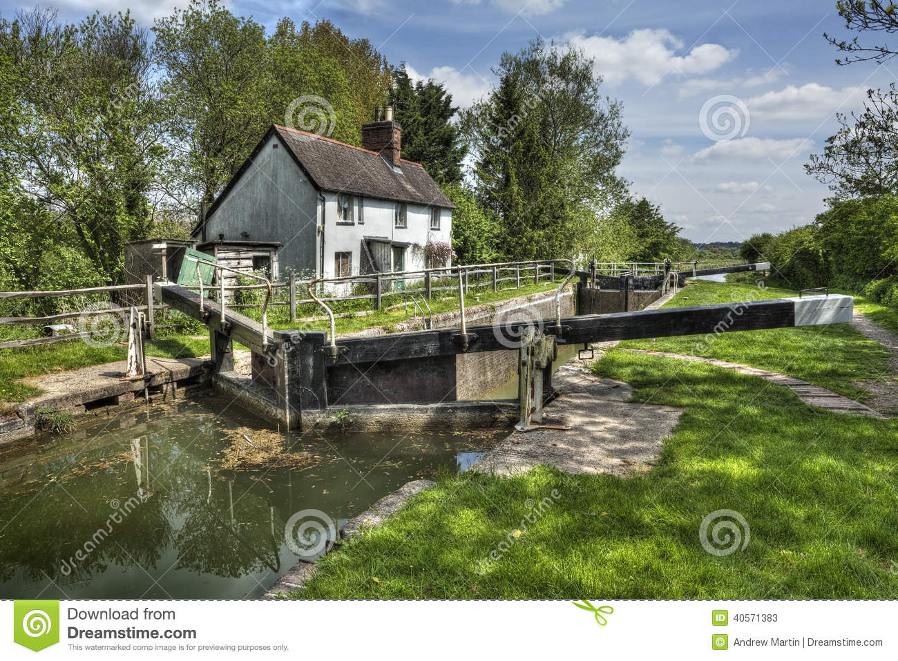 Cottages House Plans Kennet And Avon Canal Stock Photo Image 40571383