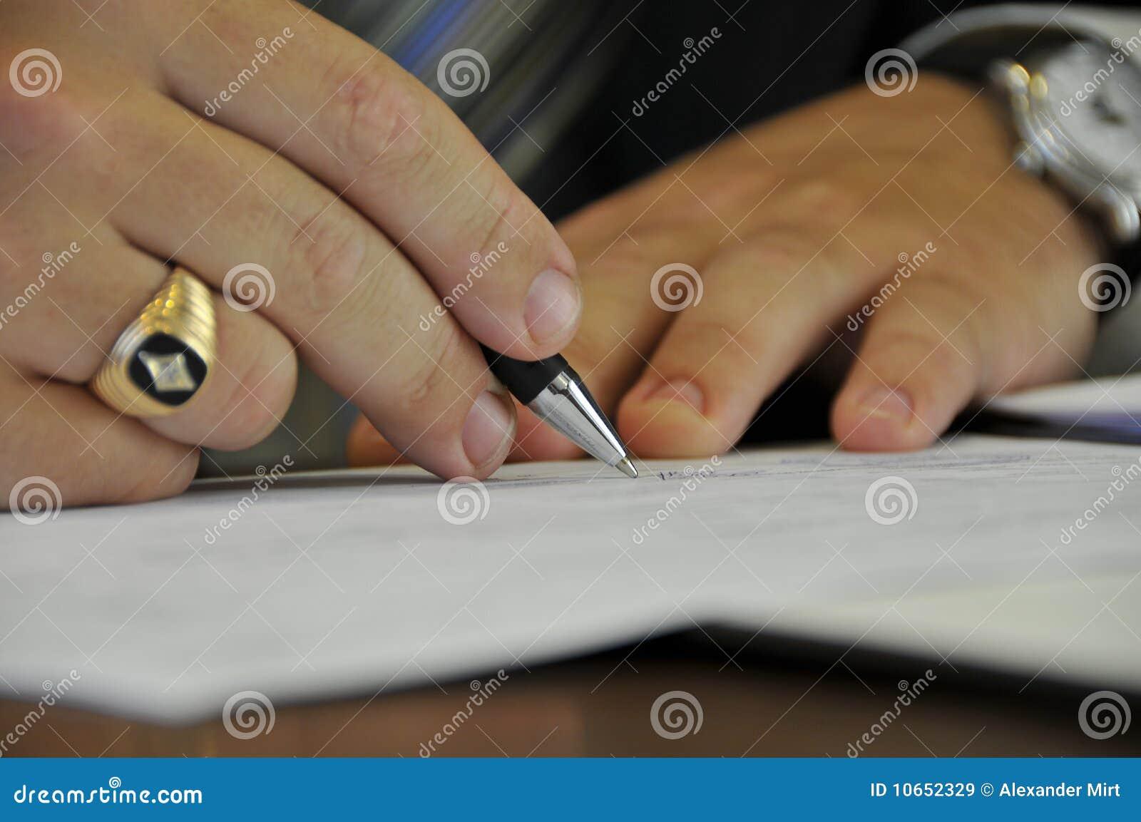 Kennzeichnen der amtlichen Papiere
