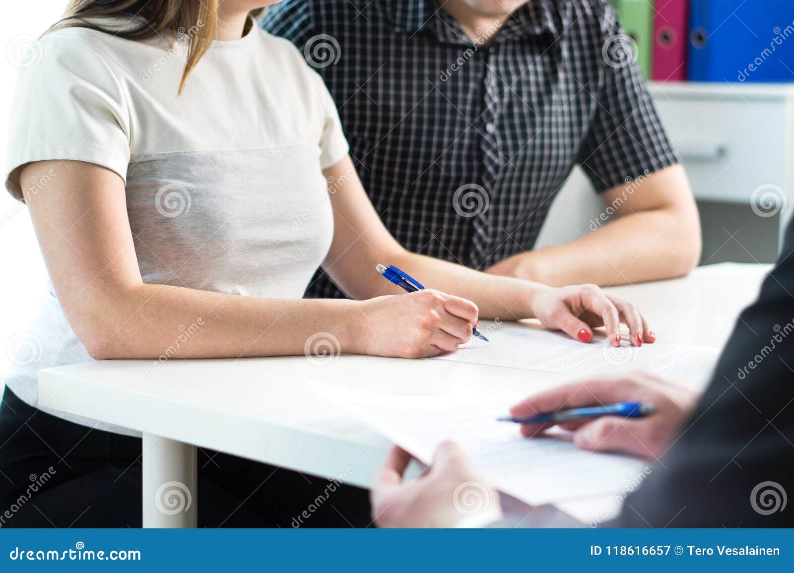 Kennzeichnender Vertrag der Paare Rechtsdokument, Krankenversicherung